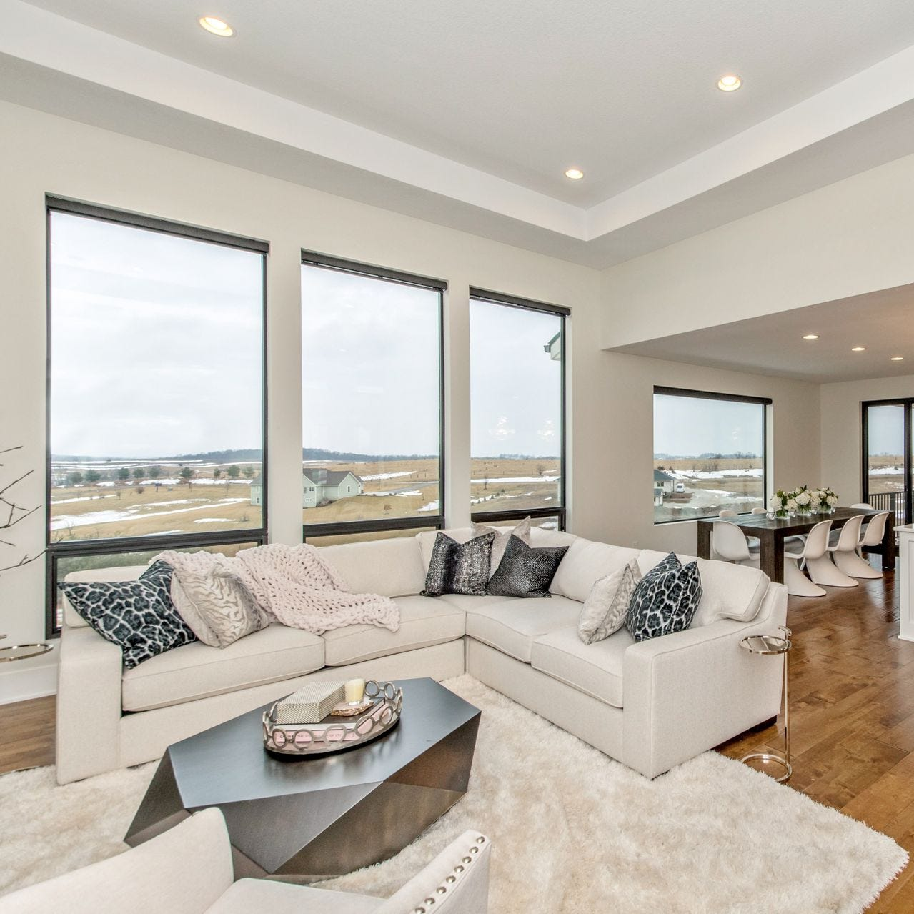 Mansion Monday: Stunning finishes and features throughout this executive home