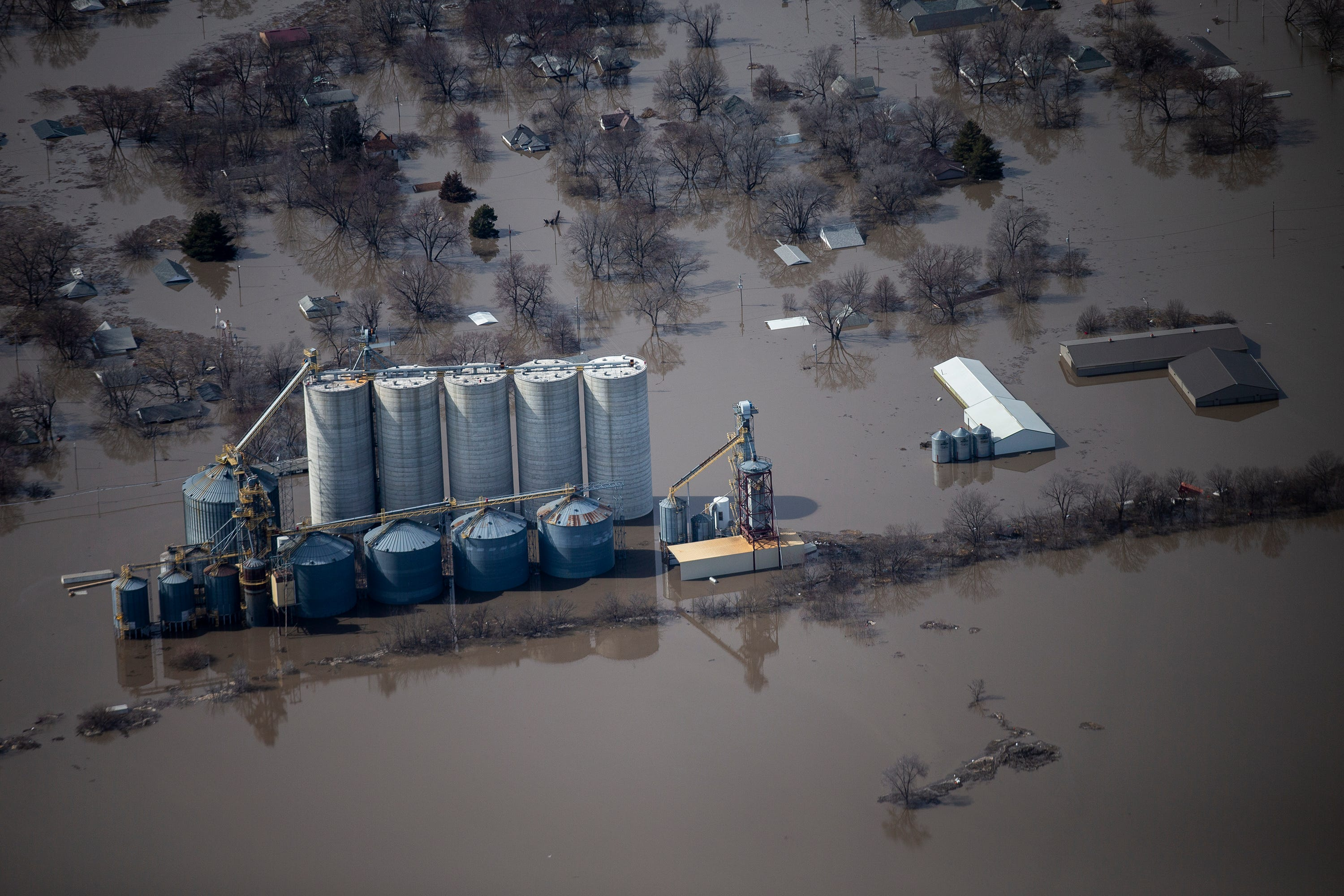 desmoinesregister.com - Brian Powers and Chelsey Lewis, Des Moines Register - Live drone video of flooding along the Missouri River