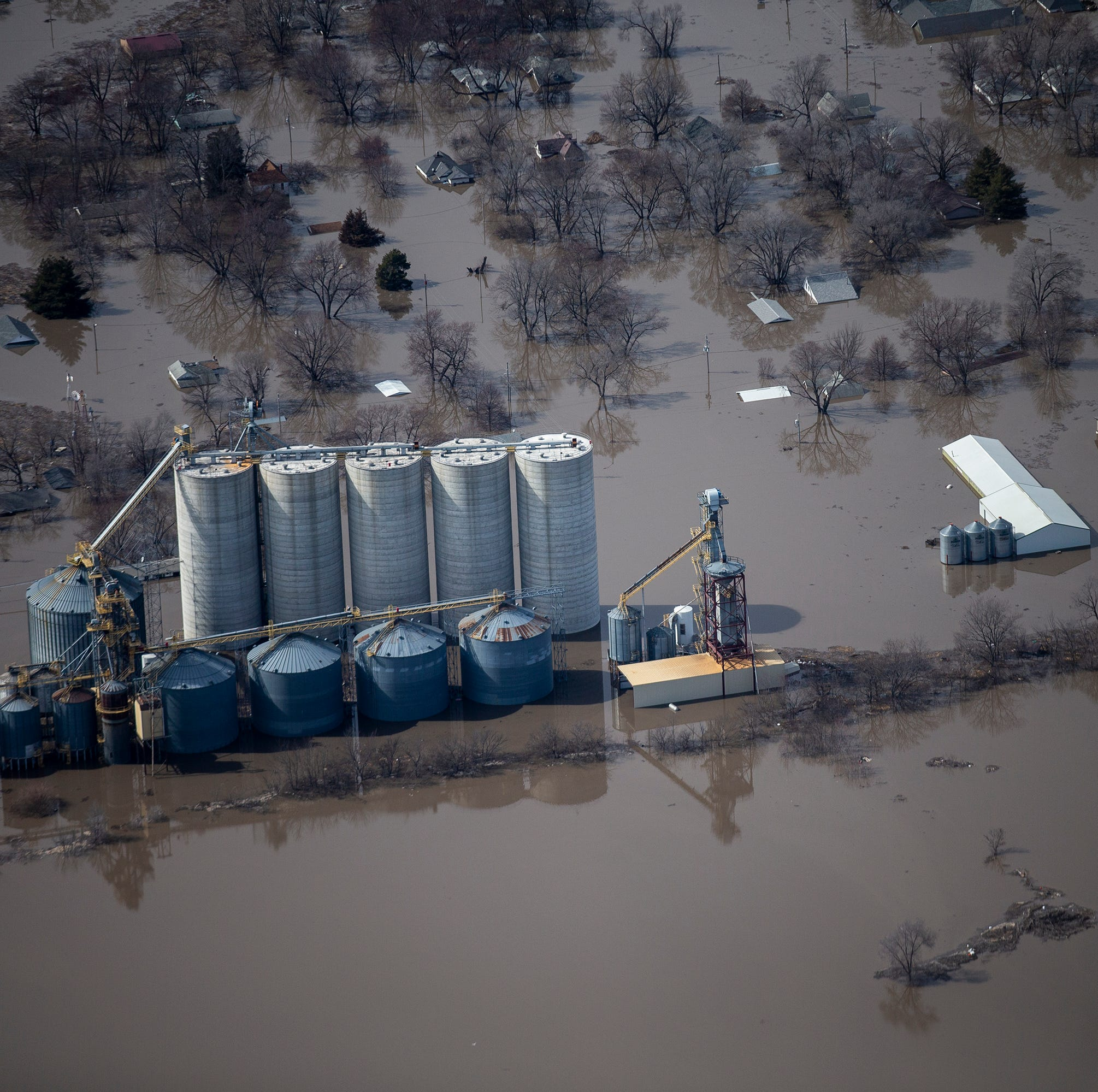 Live drone video of flooding along the Missouri River