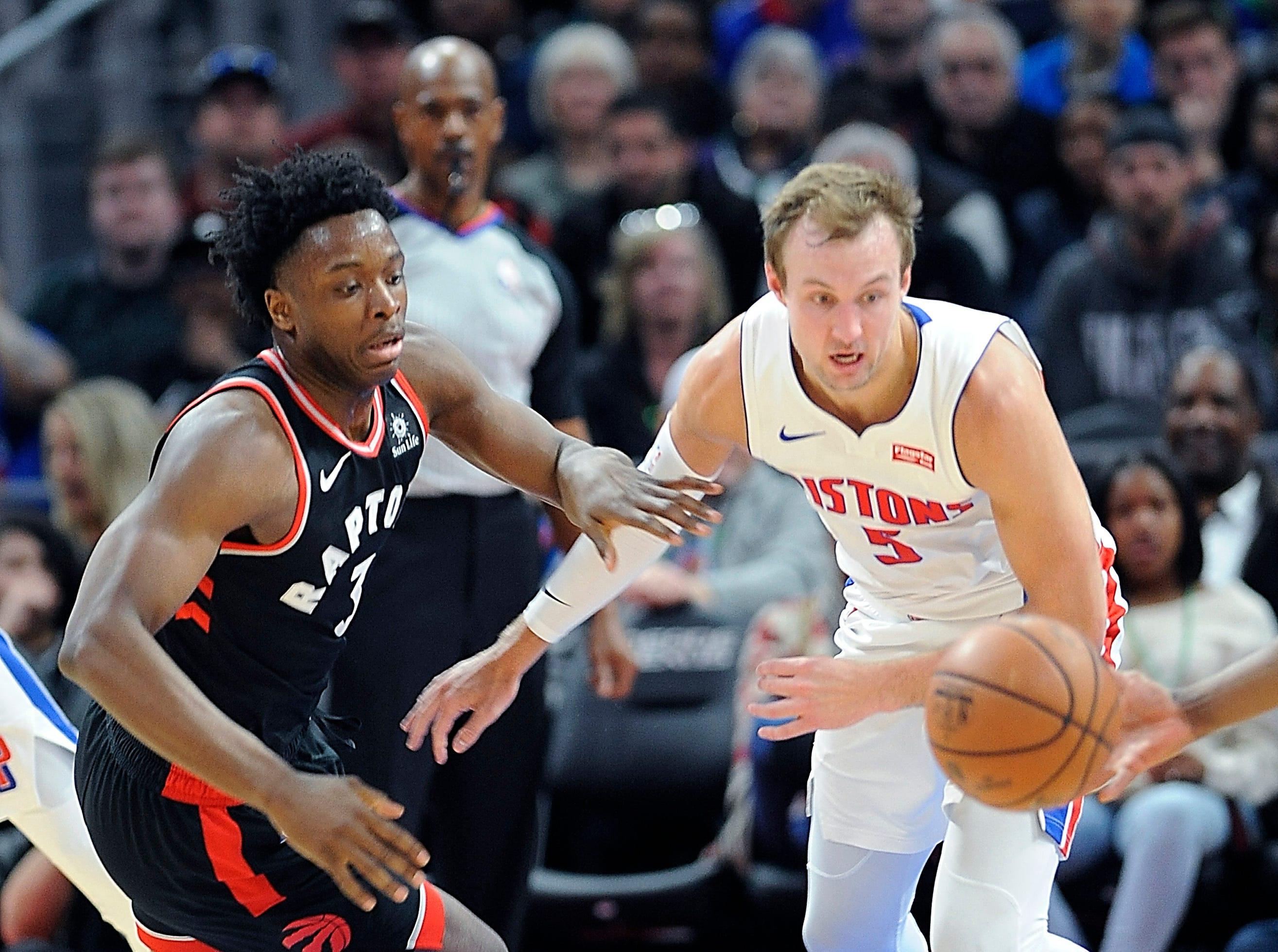 Pistons' Luke Kennard steals the ball from Raptors' OG Anunoby in the third quarter.