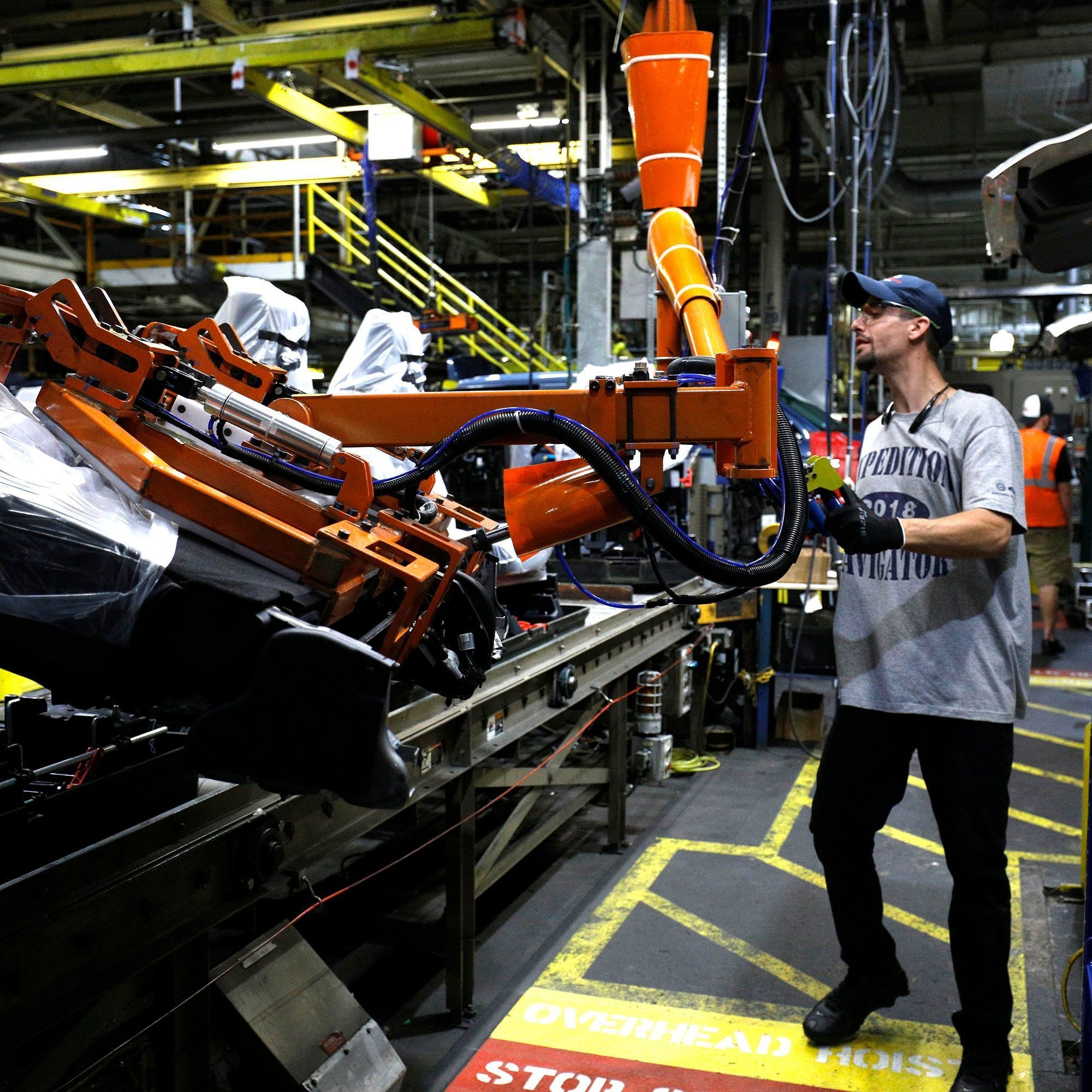 Ford ups Expedition production again at Louisville