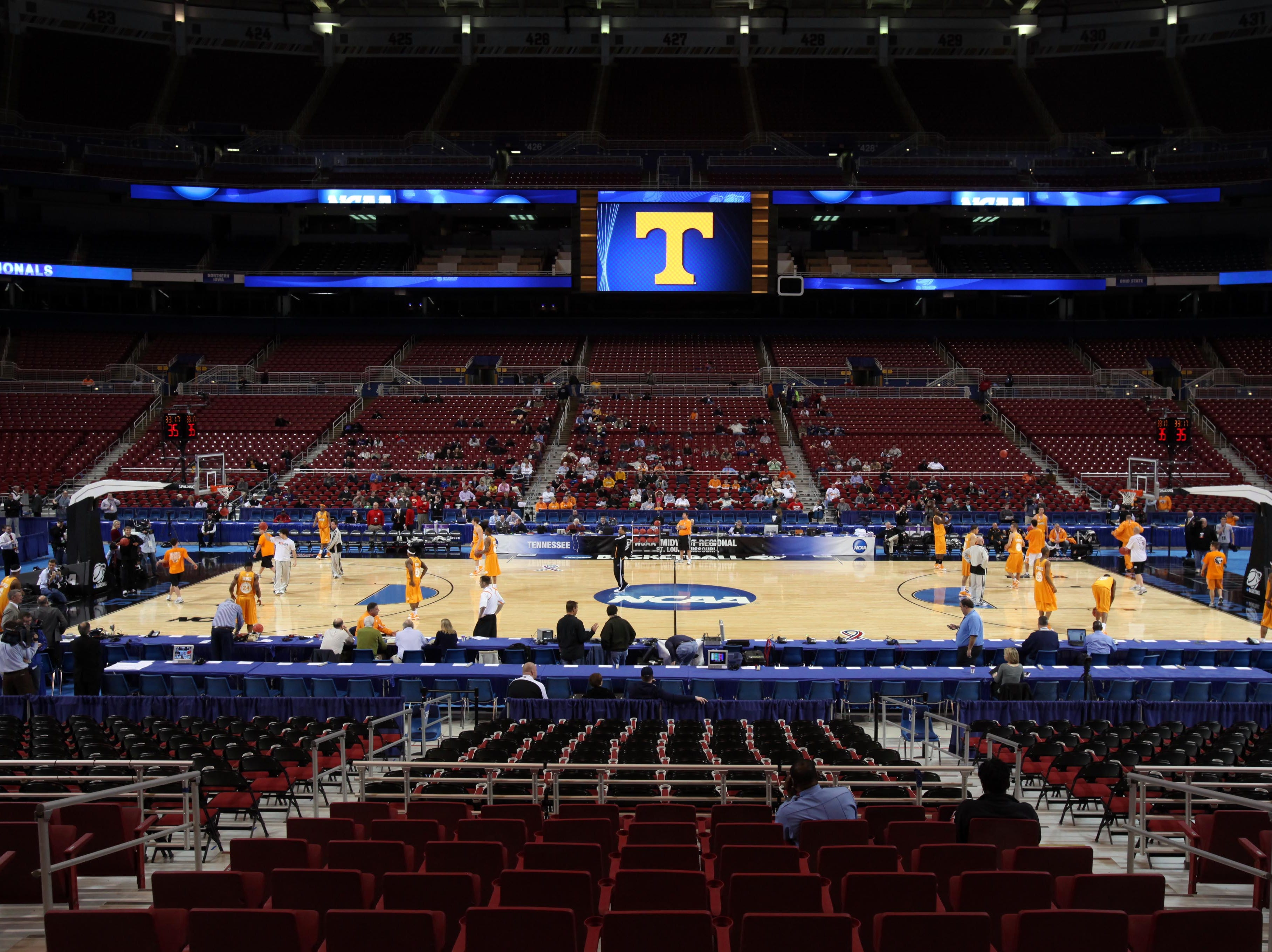 Tennessee holds an open practice session at the Edward Jones Dome in St. Louis, Mo., Thursday, Mar. 25, 2010.  The Vols will take on the Ohio State Buckeyes Friday evening during the NCAA regional tournament.