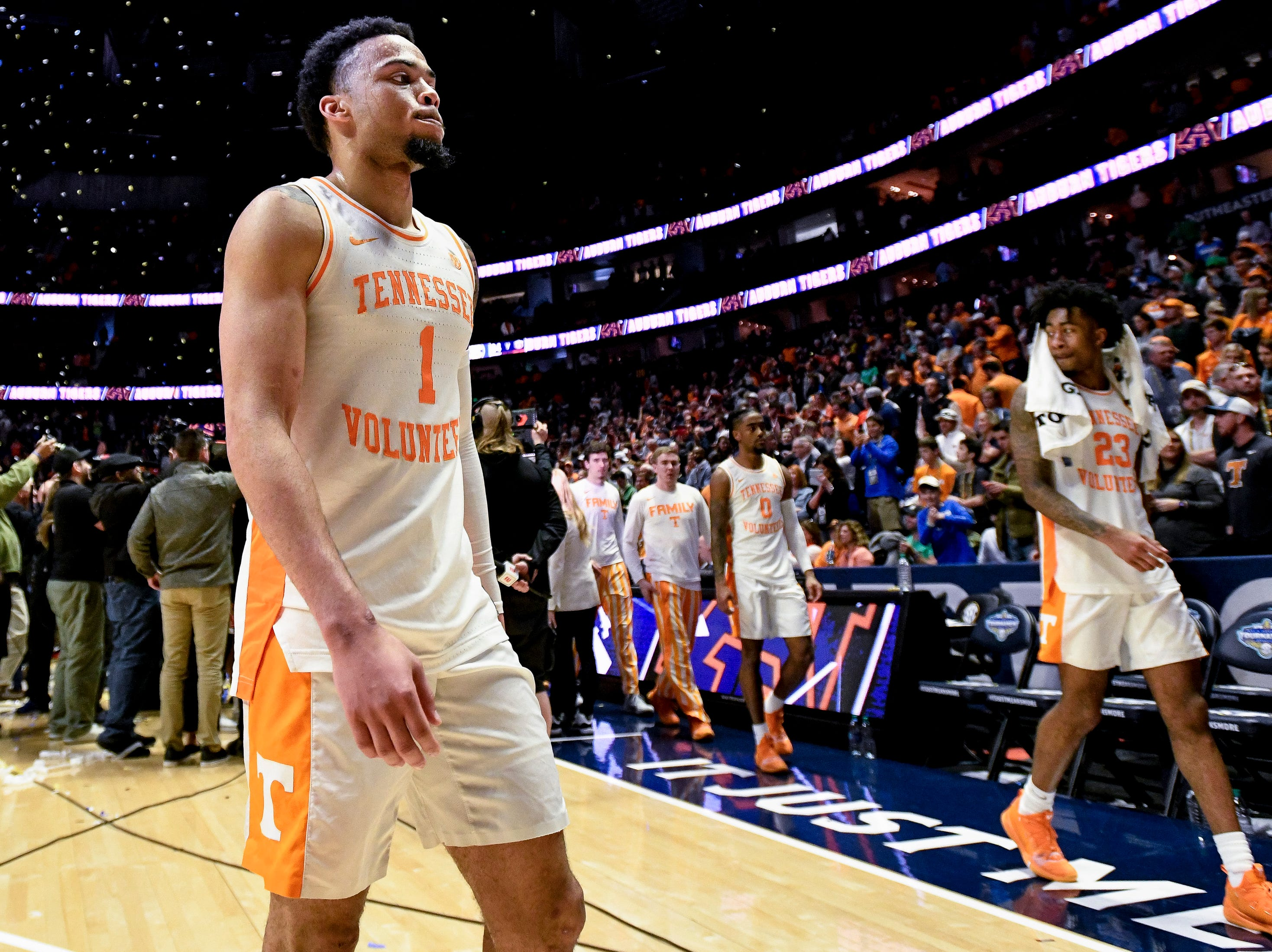 Tennessee guard Lamonte Turner (1) exits the court after their SEC Men's Basketball Tournament championship loss to Auburn at Bridgestone Arena in Nashville, Tenn., Sunday, March 17, 2019.