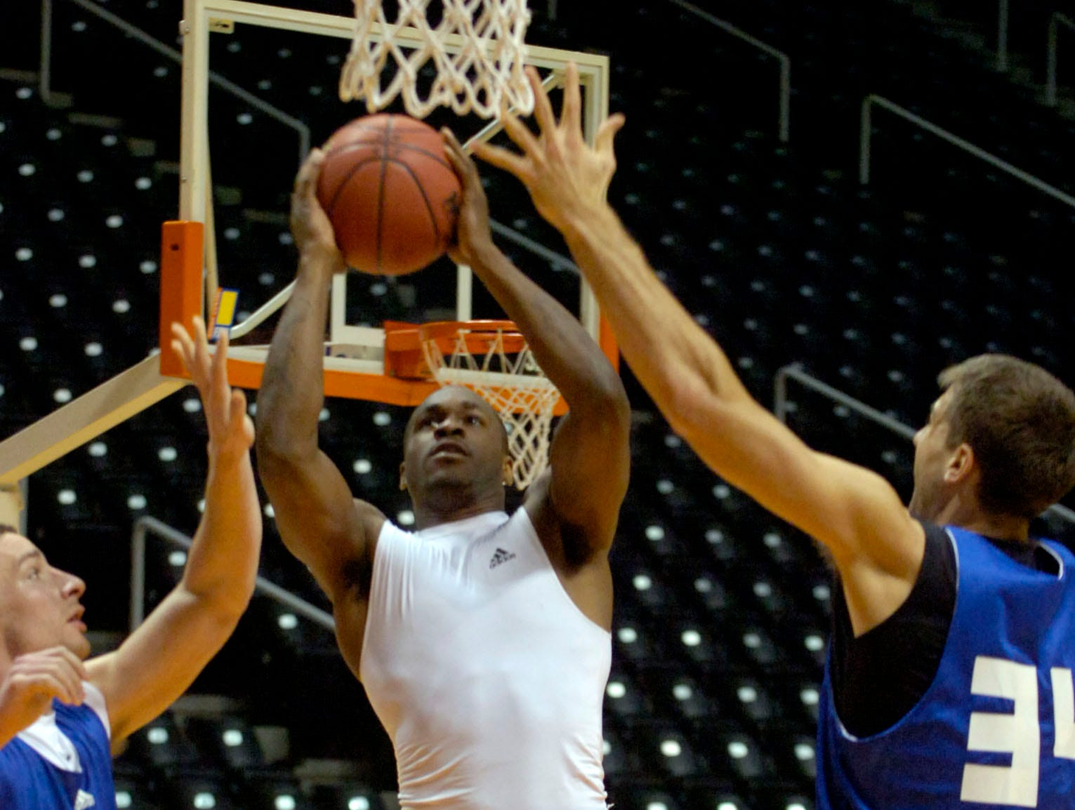 Tennessee's Ramar Smith goes to the basket during basketball team practice Tuesday morning for the first game of the 2008 NCAA tournament to be played on Friday in Birmingham, AL.