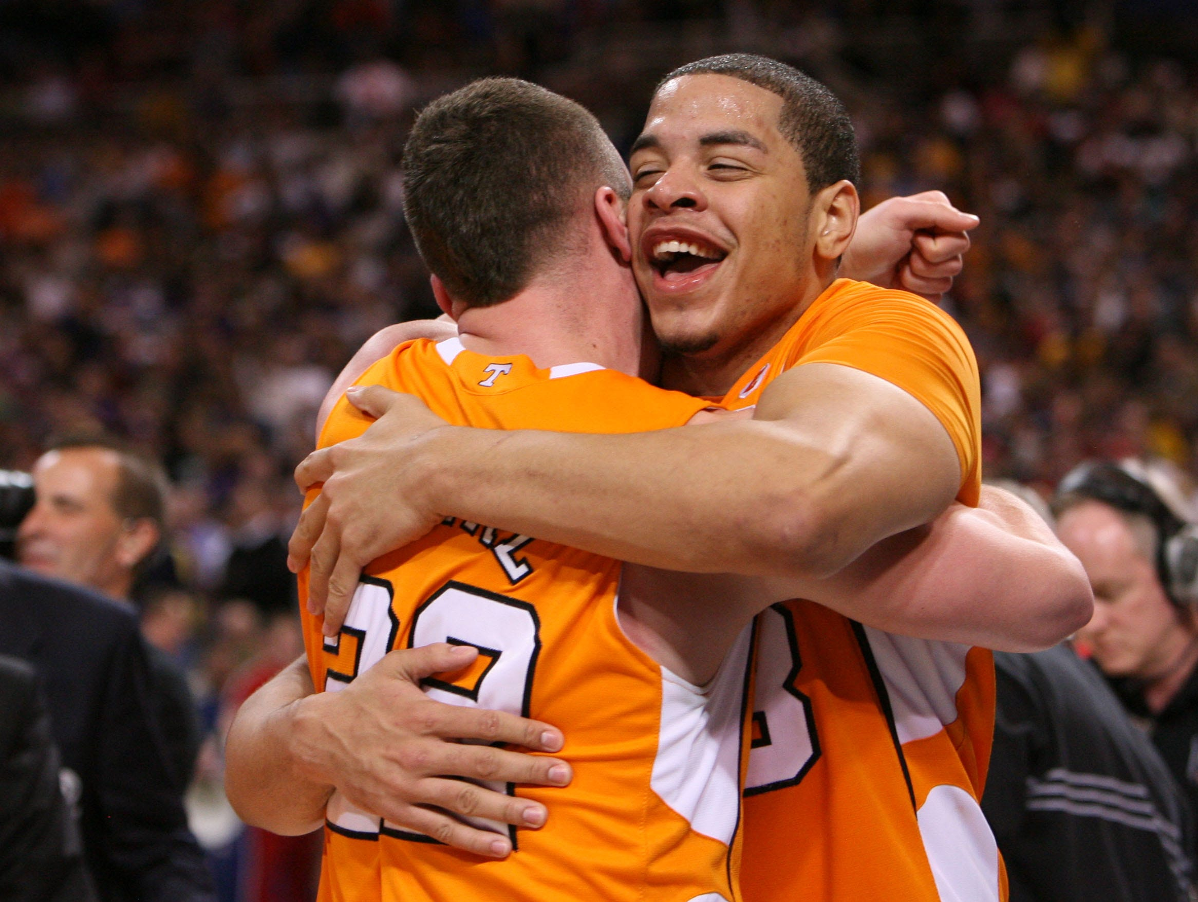 Tennessee's Steven Pearl, left, and Brian Williams, right, celebrate after defeating Ohio State 76-73 during the NCAA tournament Sweet Sixteen at the Edward Jones Dome in St. Louis, Mo., Friday, Mar. 26, 2010.