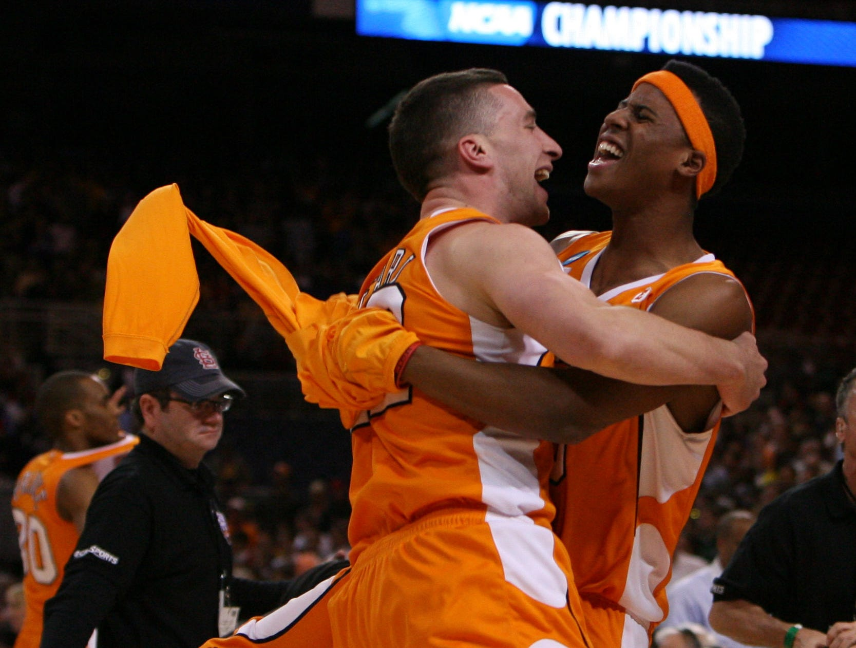 Tennessee's Steven Pearl, left, and Renaldo Woolridge, right, celebrate after the Vols defeated the Ohio State Buckeyes 76-73 during the NCAA tournament Sweet Sixteen at the Edward Jones Dome in St. Louis, Mo., Friday, Mar. 26, 2010.
