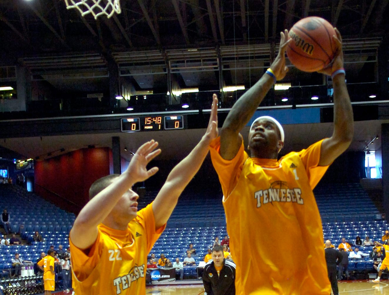 Tennessee's Tyler Smith shoots over teammate Steven Pearl during practice on Thursday at the University of Dayton in Ohio. UT will play Oklahoma State in the first round of the 2009 NCAA tournament at 12:25 p.m. EST on Friday.