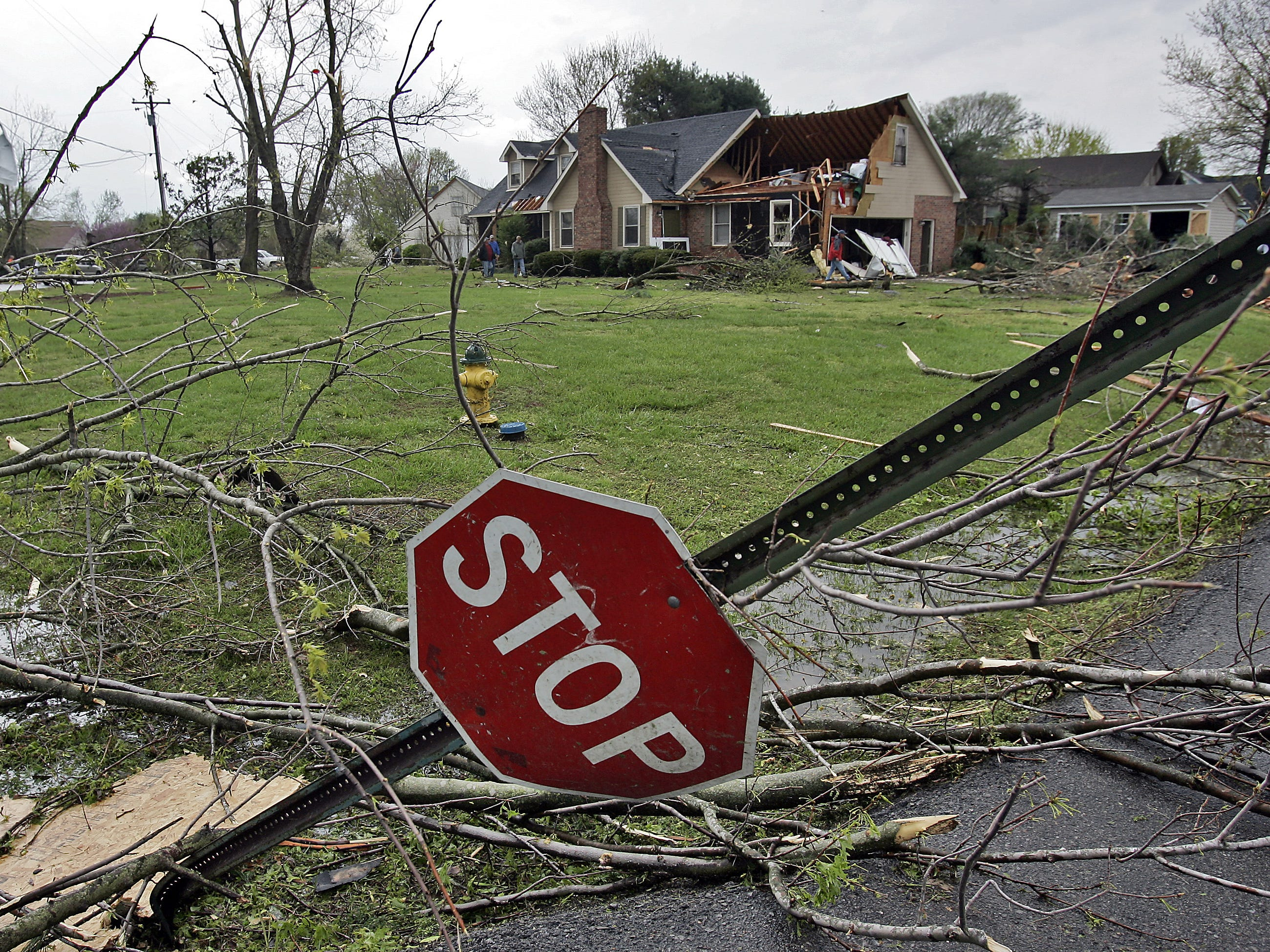 Tornado damages are seen in the Blackman community in Murfreesboro, Tenn., Friday, April 10, 2009. (JAE S. LEE / THE TENNESSEAN)