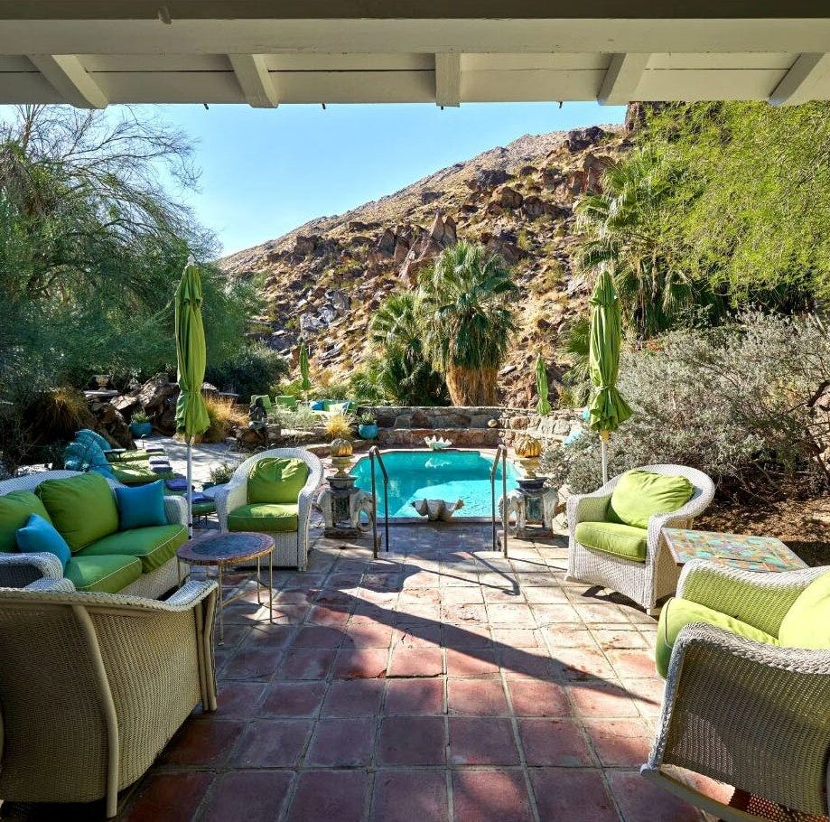 Suzanne Somers 'downsizing,' lists Palm Springs pad for $9.5 million and sheds 479 acres