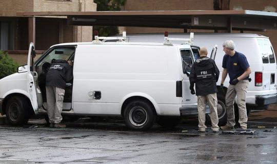 La policía de Phoenix arrestó a un hombre que el pasado sábado visitó el Centro Islámico Unido de Arizona y fue denunciado por haber hecho un gesto amenazante a algunos de sus miembros, al llevarse un dedo al cuello y hacer un movimiento de corte.