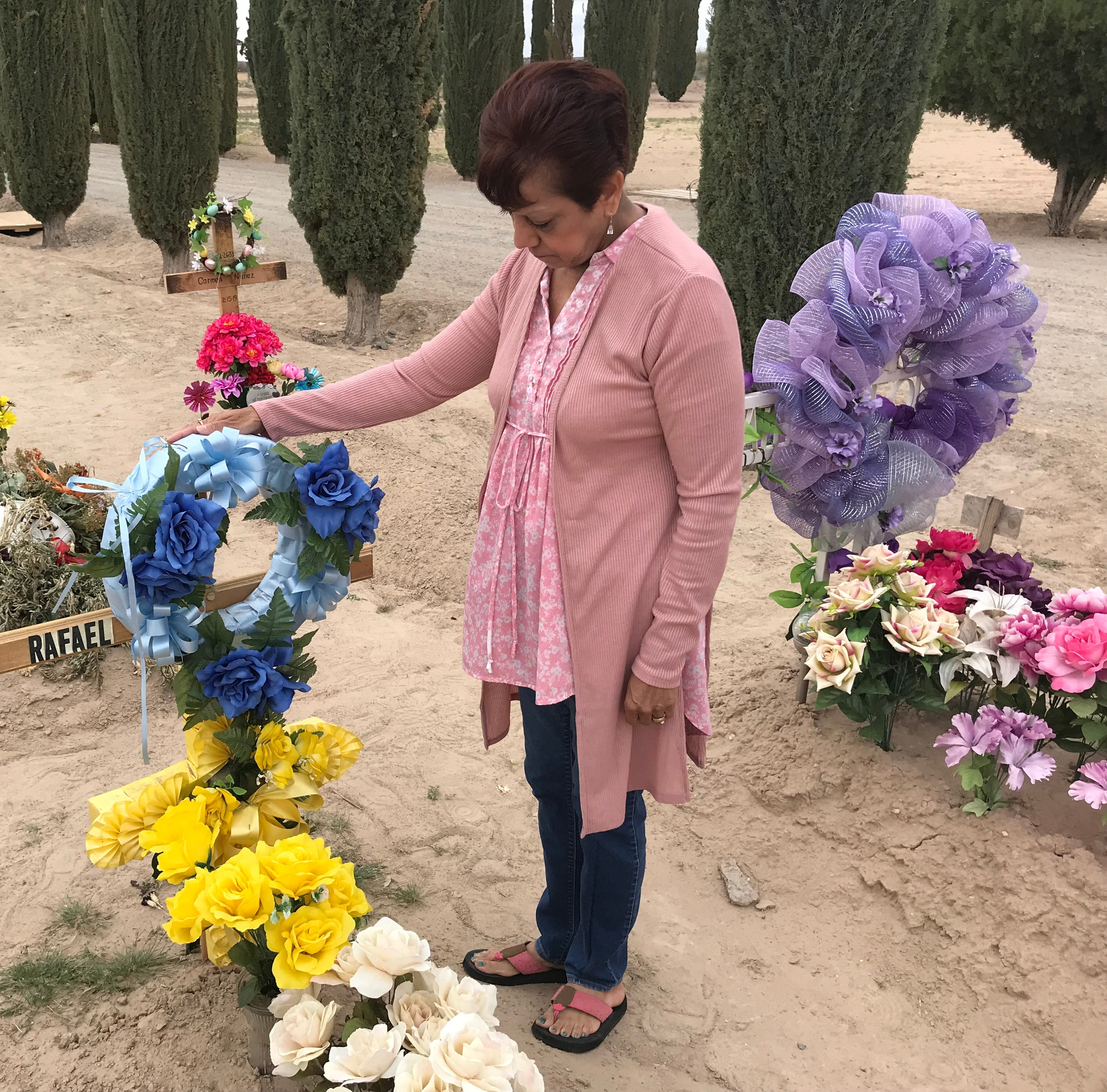 Mourning families claim El Paso company failed to deliver headstones
