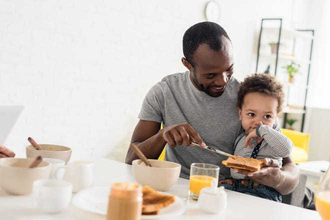 The American Academy of Pediatrics offers new guidelines for food allergies and children.