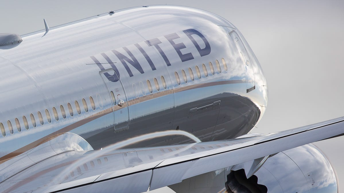 A United Airlines Boeing 787-9 Dreamliner  takes off from Los Angeles International Airport in March, 2017.