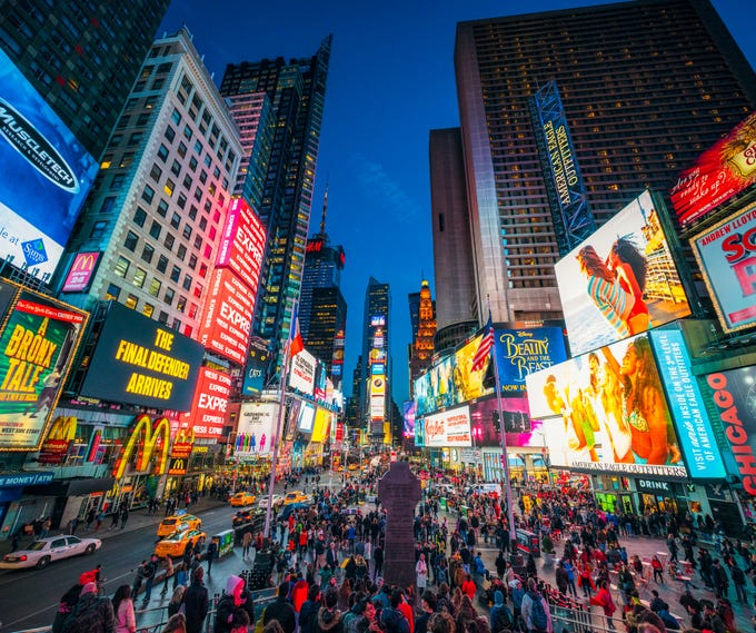 Pettitts, a travel planning site based in the U.K., has analyzed Instagram to find out which U.S. landmarks have been the centerpiece of the most posts. At No. 1 on the list is Times Square in New York City.