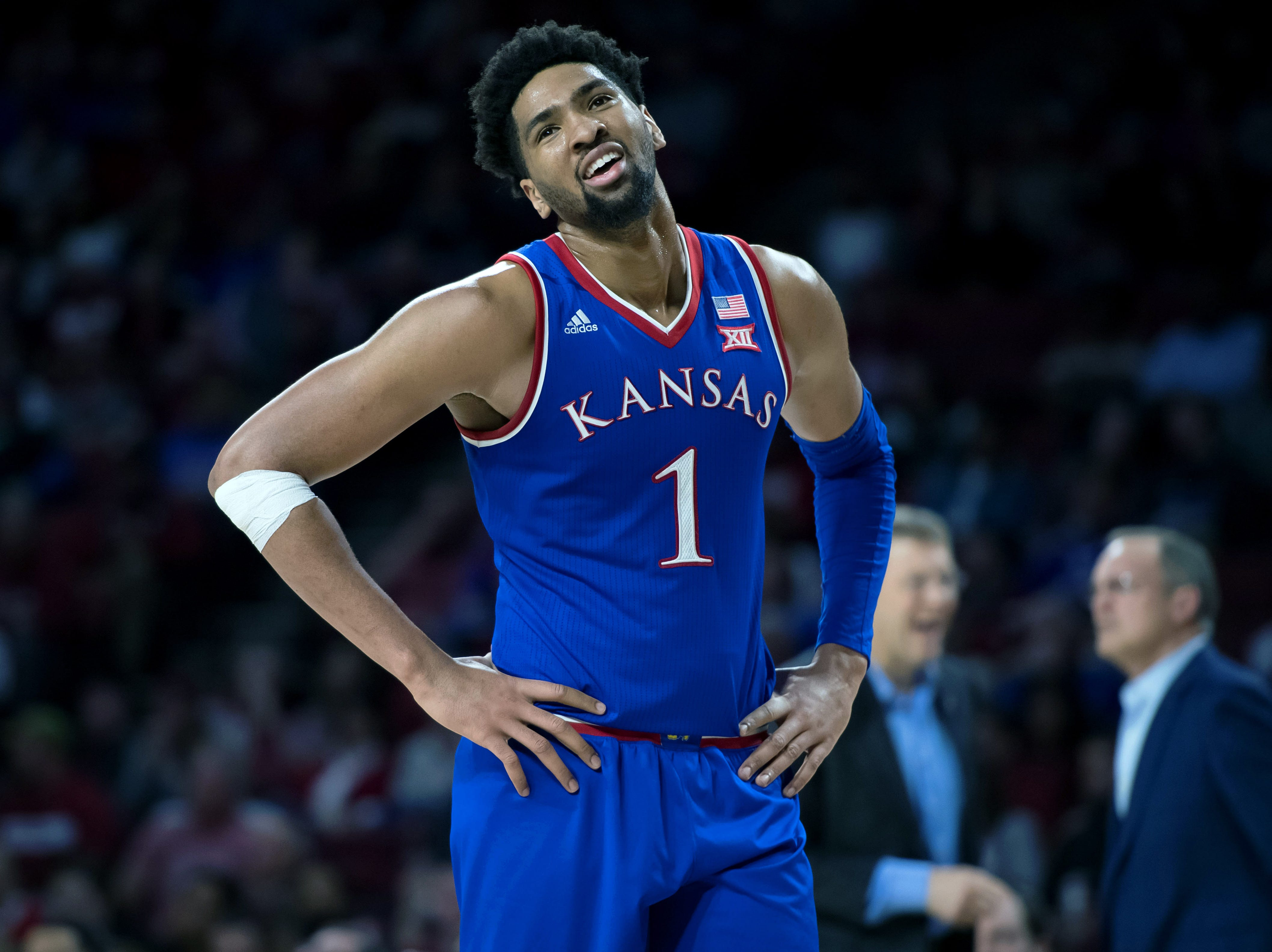 Kansas (25-9), No. 4 seed in Midwest, at-large bid out of Big 12 Conference