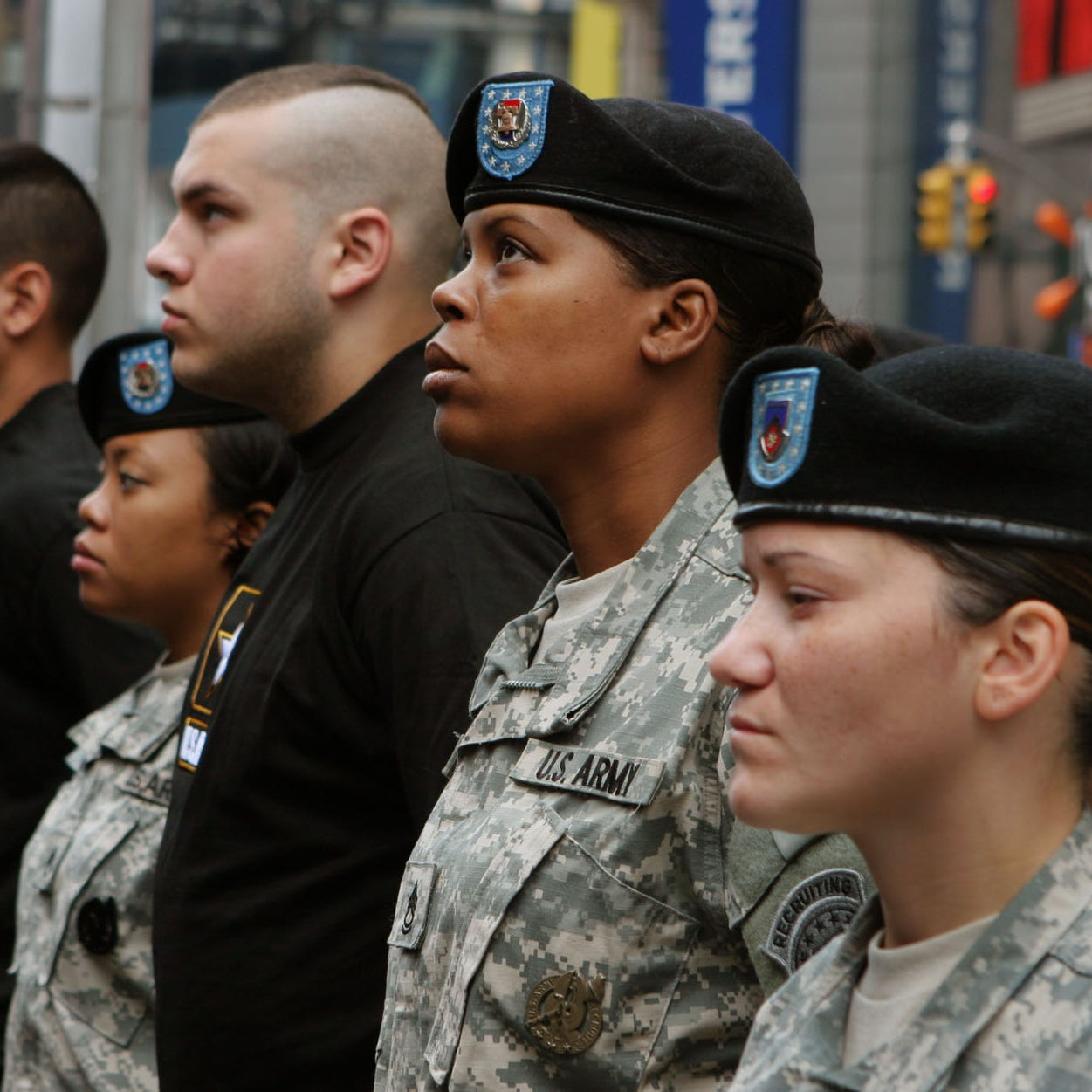 Include women in Selective Service registration