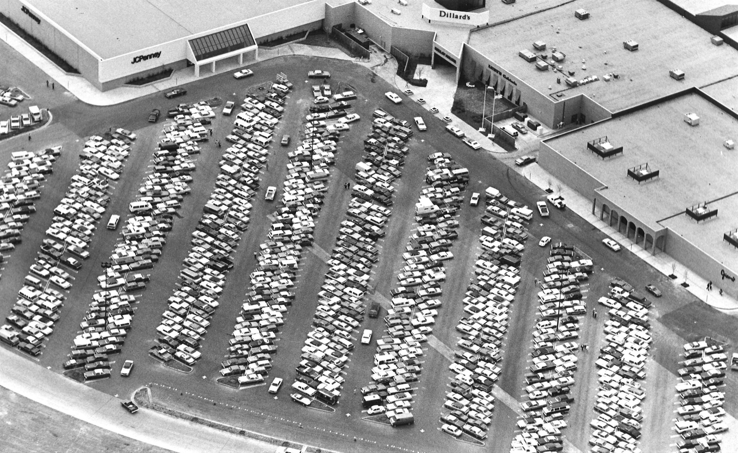 The parking lot was full the day the Mall of Abilene opened.