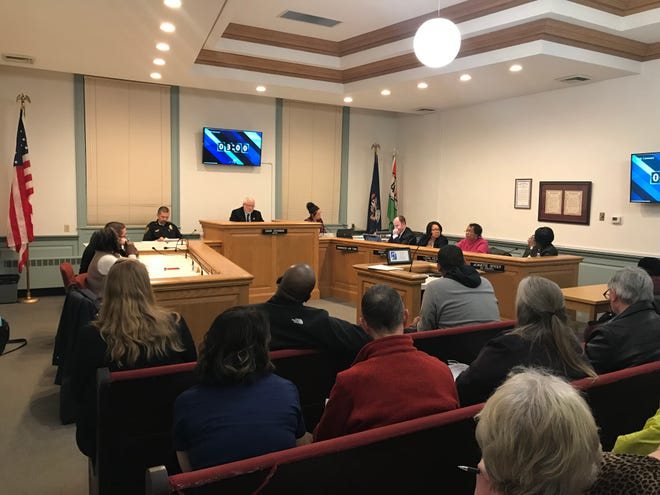 Albion City Council's chambers were filled on Monday when council approved a settle agreement to end City Manager LaTonya Rufus contract. She will have to resign from the position.