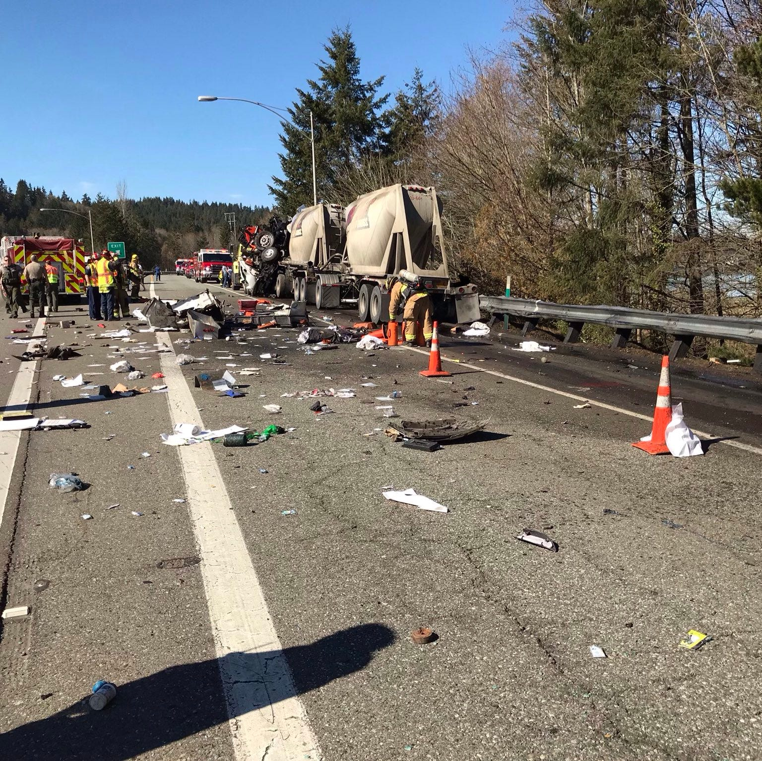 No serious injuries Highway 3 crash