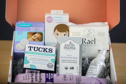 Postwell gift boxe are filled with products a new mom needs to take care of herself post delivery. The gift boxes can be sent to the new mom's home or can be given as shower gifts.