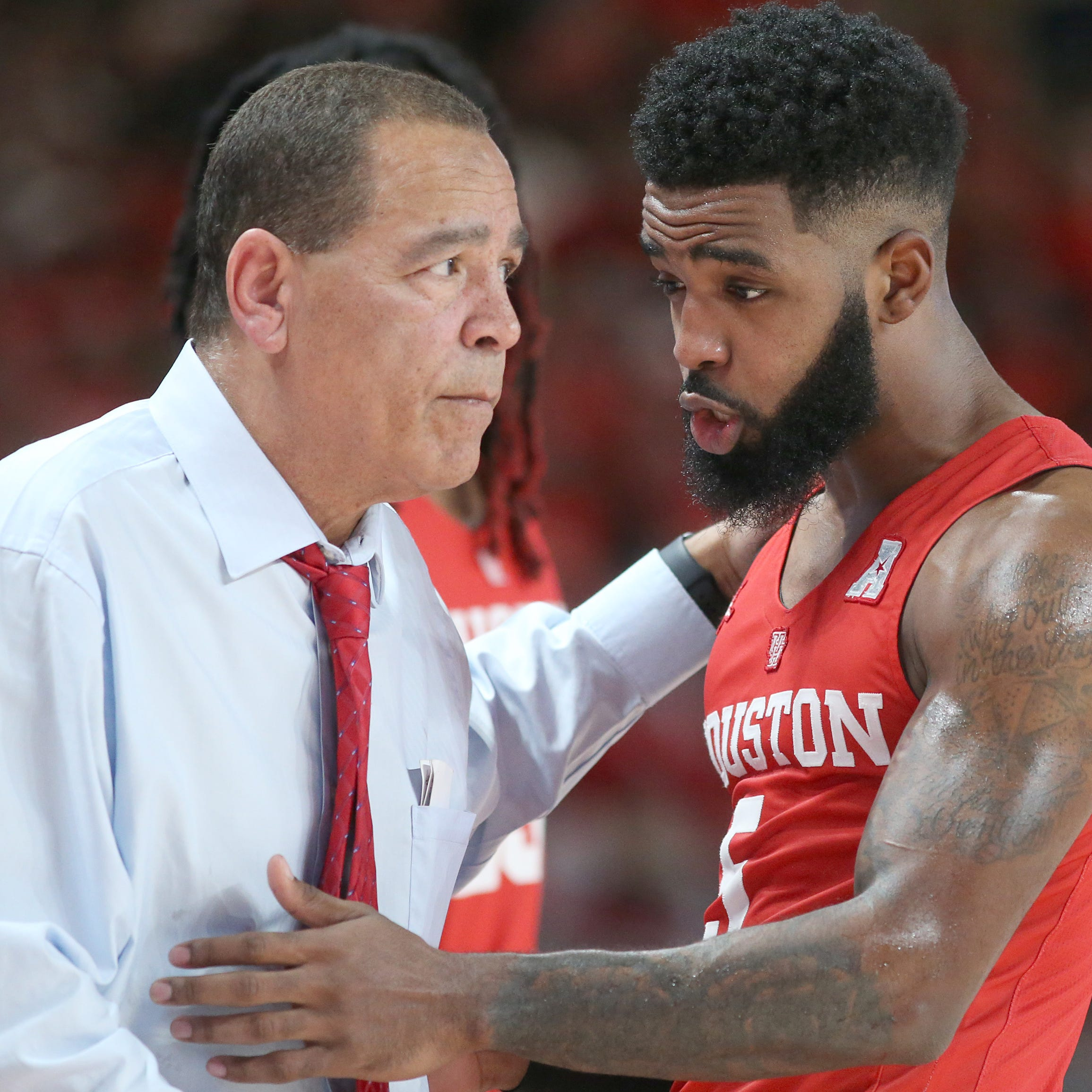 NCAA Basketball: Sampson spurs Houston's basketball renaissance