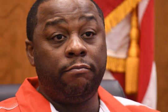 Bennie Smith testifies Tuesday during the Khairi Bond murder trial.