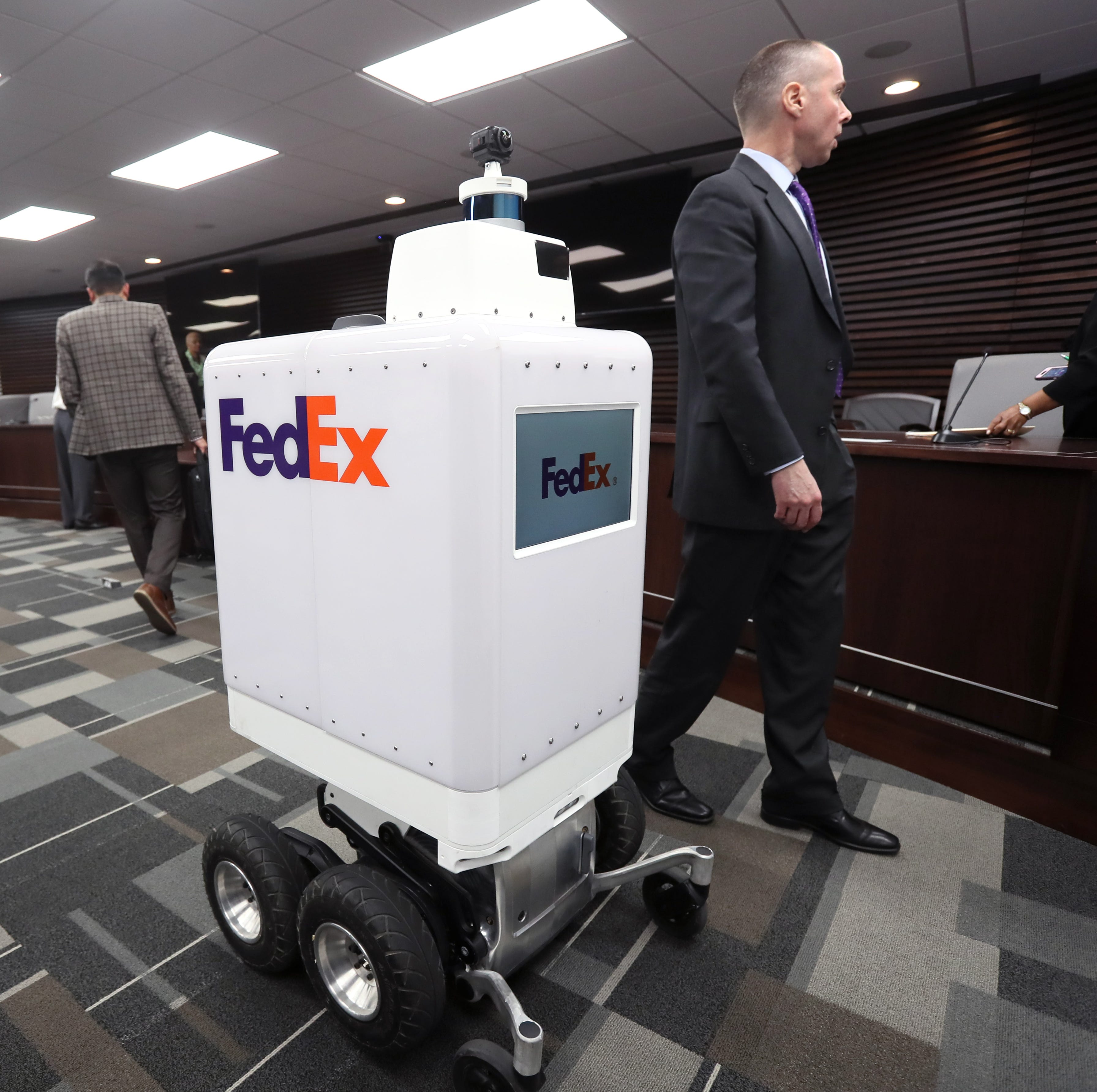 FedEx looks 'to work closely' with robotics companies through MassRobotics collaboration