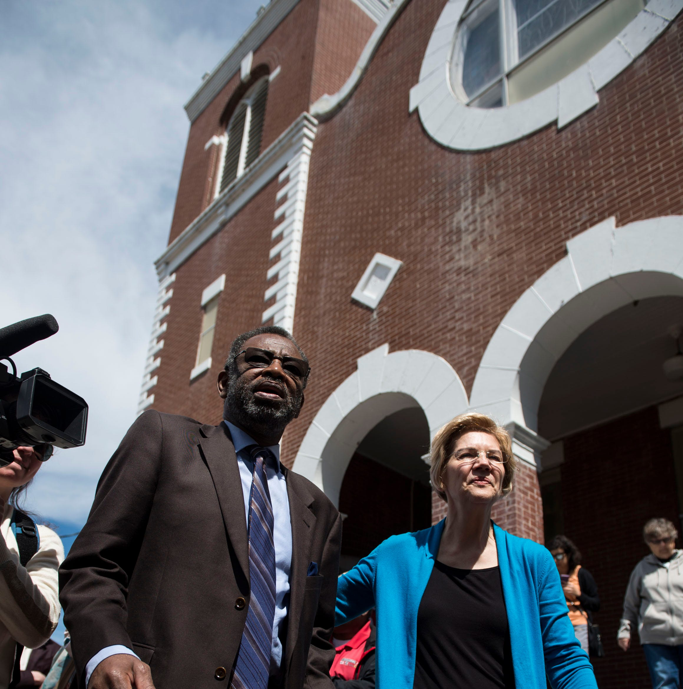 Elizabeth Warren talks housing, voting rights, and more in Selma visit