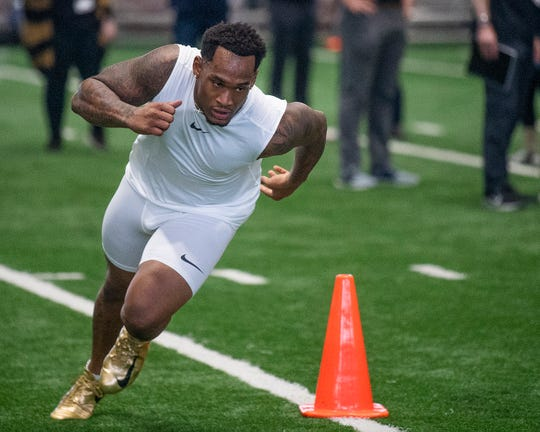 Alabama linebacker Mack Wilson runs drills during Pro Day on the University of Alabama campus in Tuscaloosa, Ala., on Tuesday March 19, 2019.