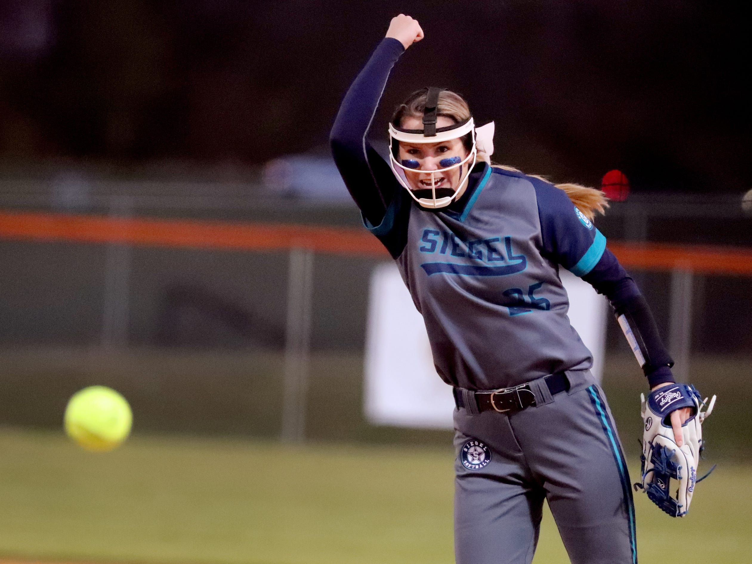 Siegel's Sophie Golliver (25) pitches against Blackman, on Monday, March 18, 2019, at Blackman.