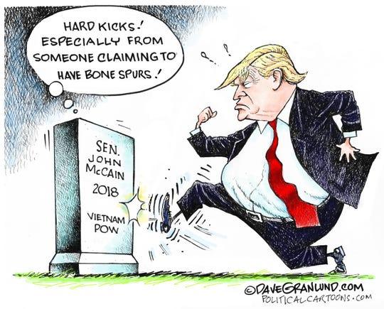 trump kicks McCain