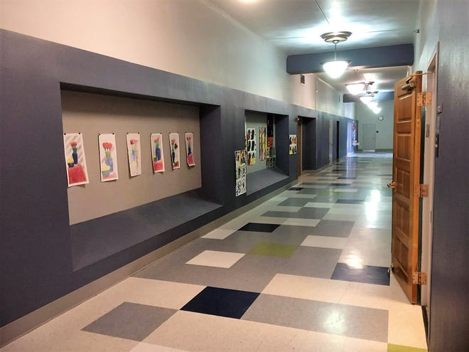 Ground floor hallway at Alma d'Arte charter high school. Monday, March 18, 2019.