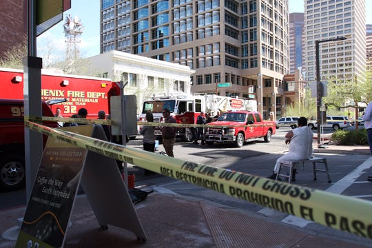 Police and fire crews have closed off an downtown area near 3rd Avenue and Washington Street to investigate a reported suspicious package Tuesday morning.