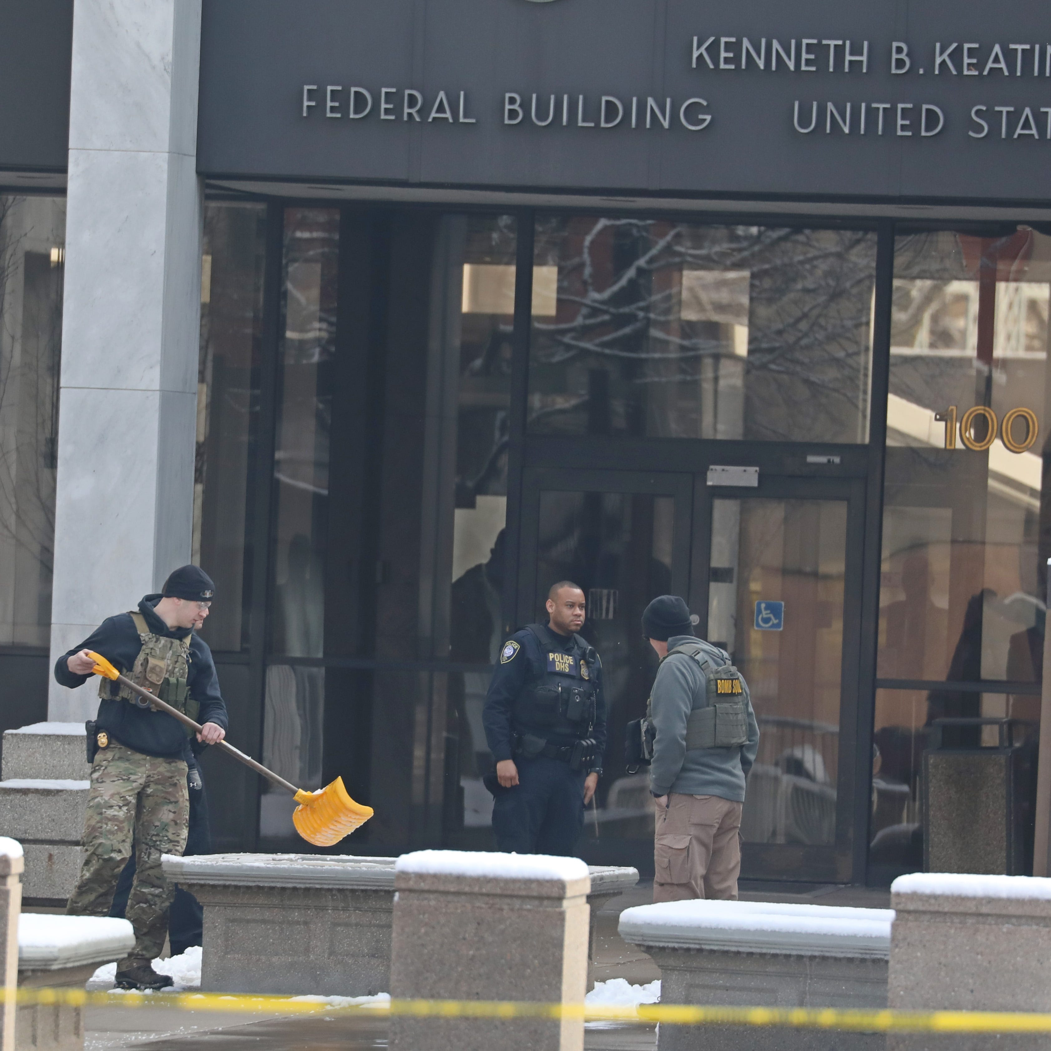 Federal Building evacuated after suspicious package found