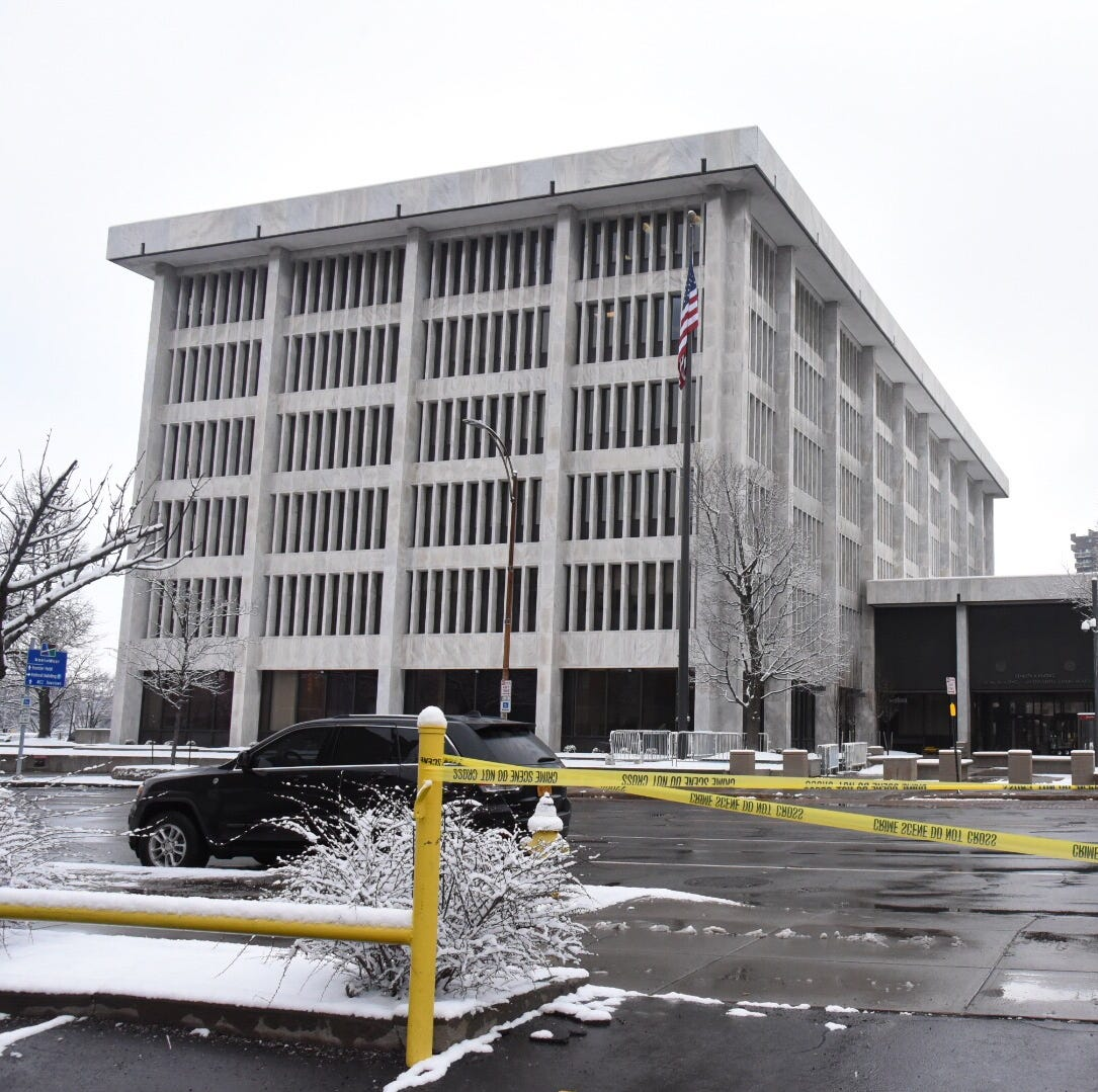 Bomb squad called in to investigate suspicious package left outside federal building