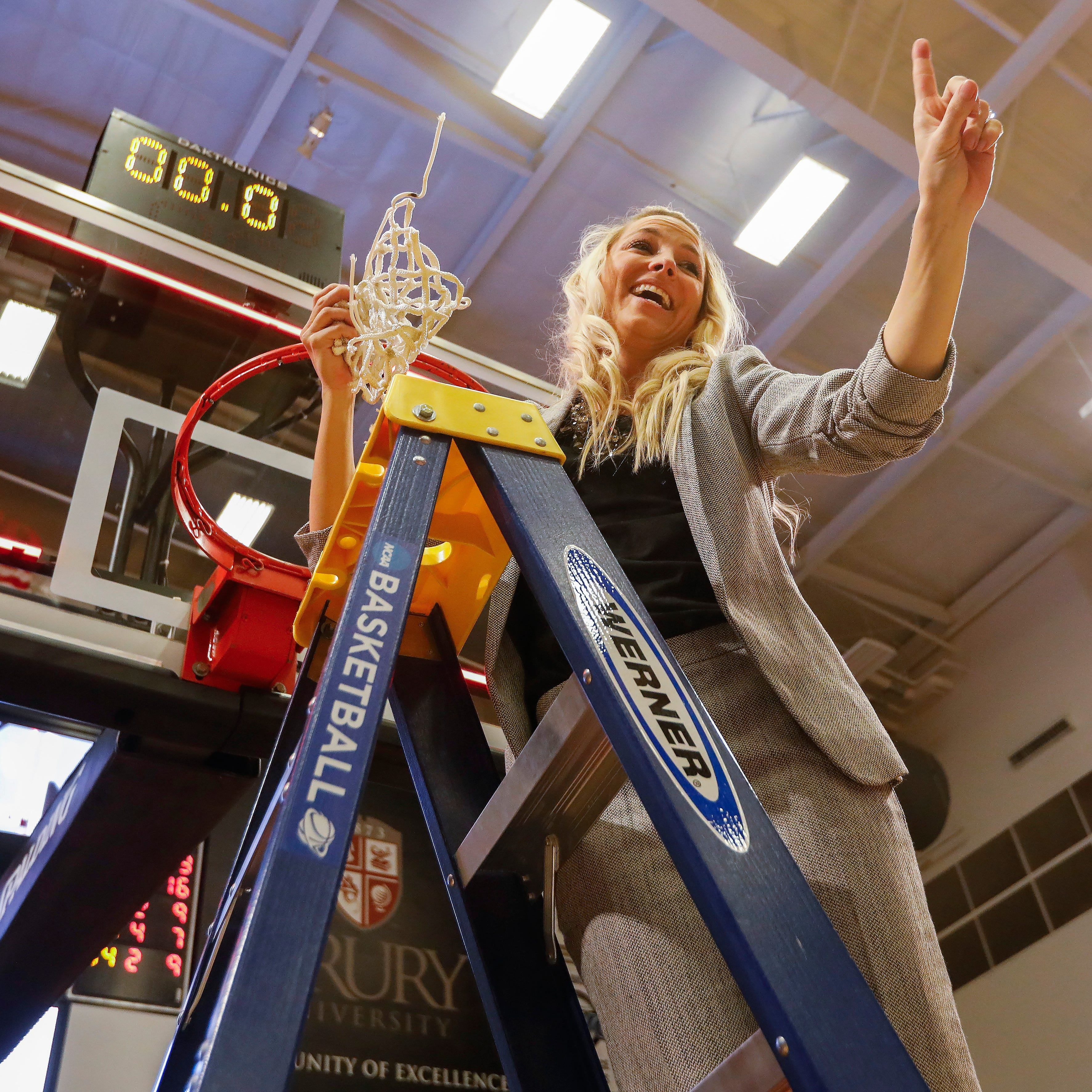 Drury overcomes greatest challenge yet en route to Elite 8
