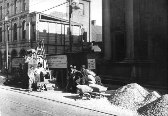 Circa 1922 photograph showing construction of National Valley Bank's new trust department on West Beverley Street.