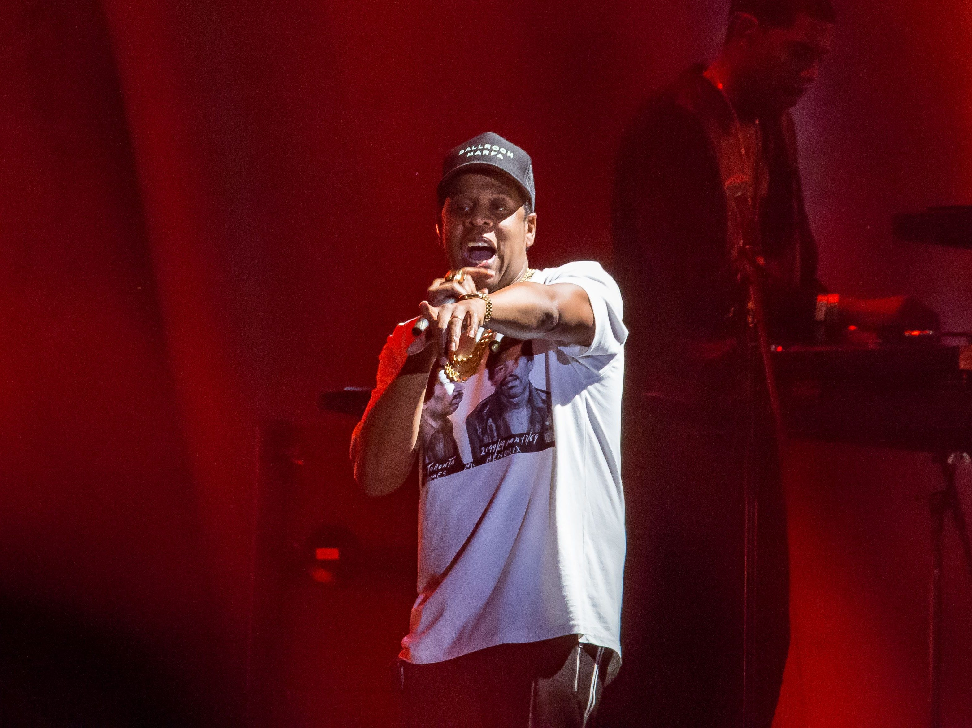 Jay-Z performs in concert on the first day of week two of the Austin City Limits Music Festival at Zilker Park on October 13, 2017 in Austin, Texas. / AFP PHOTO / SUZANNE CORDEIRO        (Photo credit should read SUZANNE CORDEIRO/AFP/Getty Images) [Via MerlinFTP Drop]