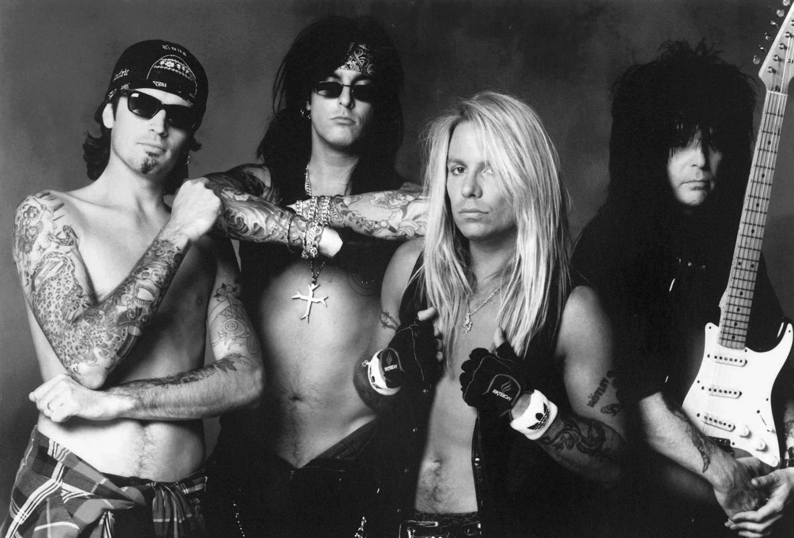 'I was doing $1,000 a day in heroin': Motley Crue on hard-partying past, Netflix's 'Dirt'