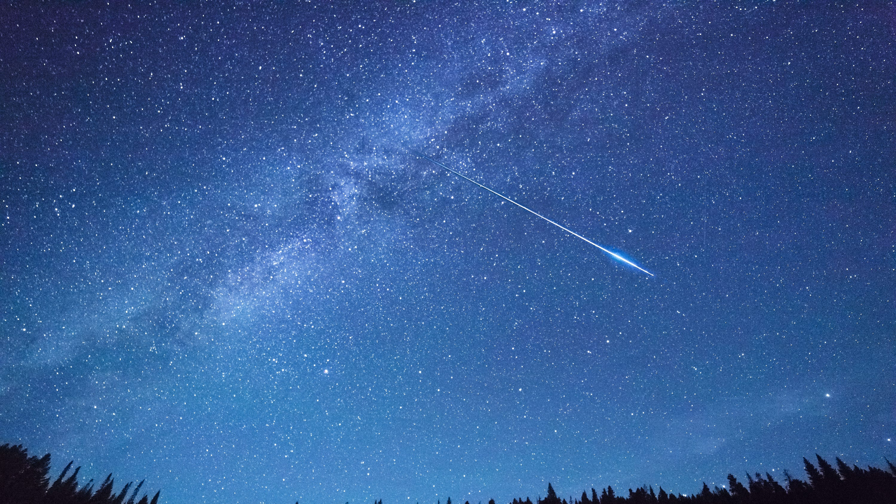 Keep your eyes to the sky: Twin meteor showers could produce fireballs this week