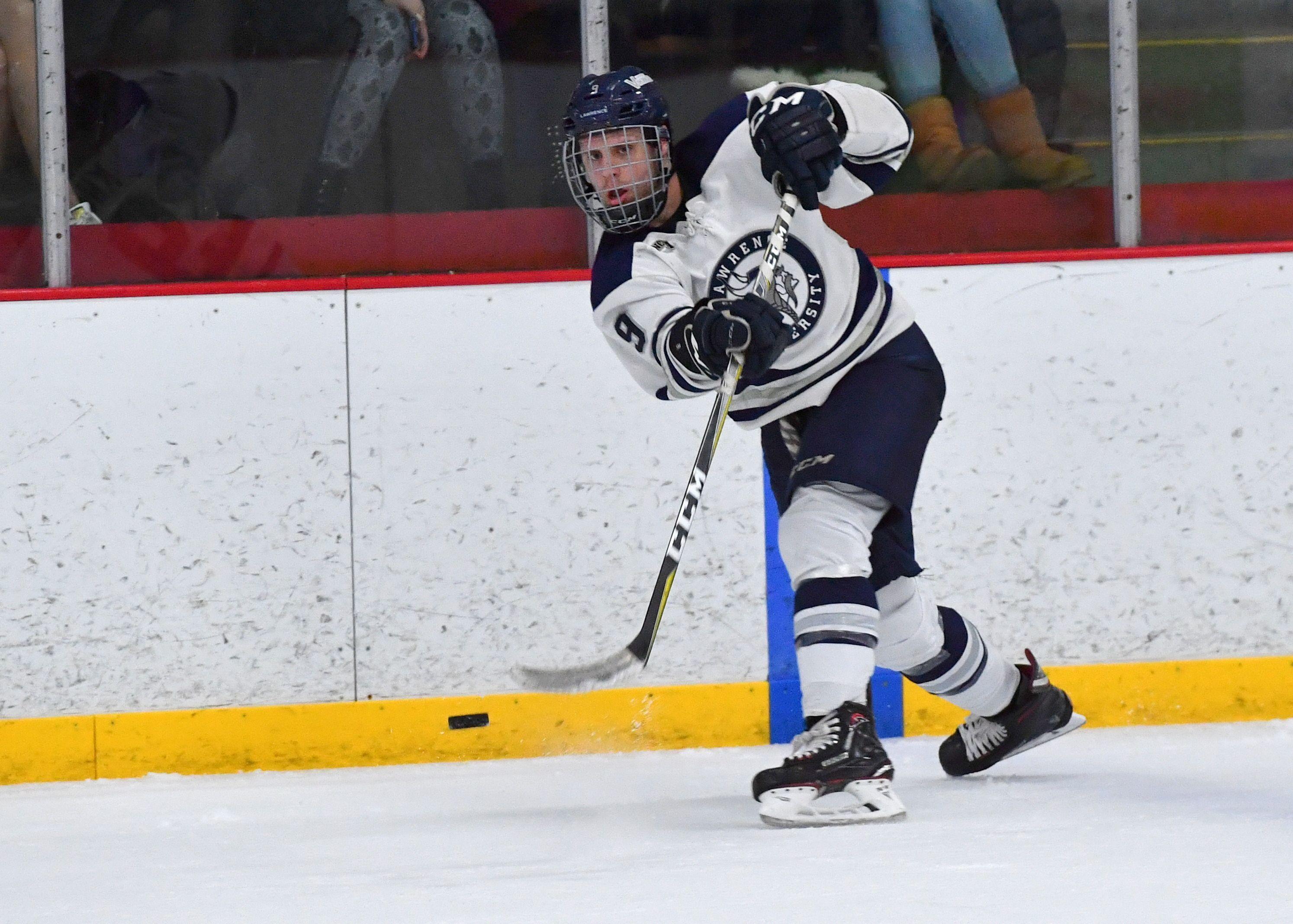 The Lawrence University hockey team will build a new locker room at Appleton Family Ice Center.