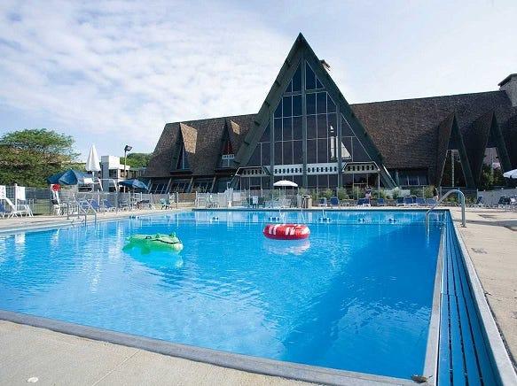 The outdoor pool at Hueston Woods Lodge.