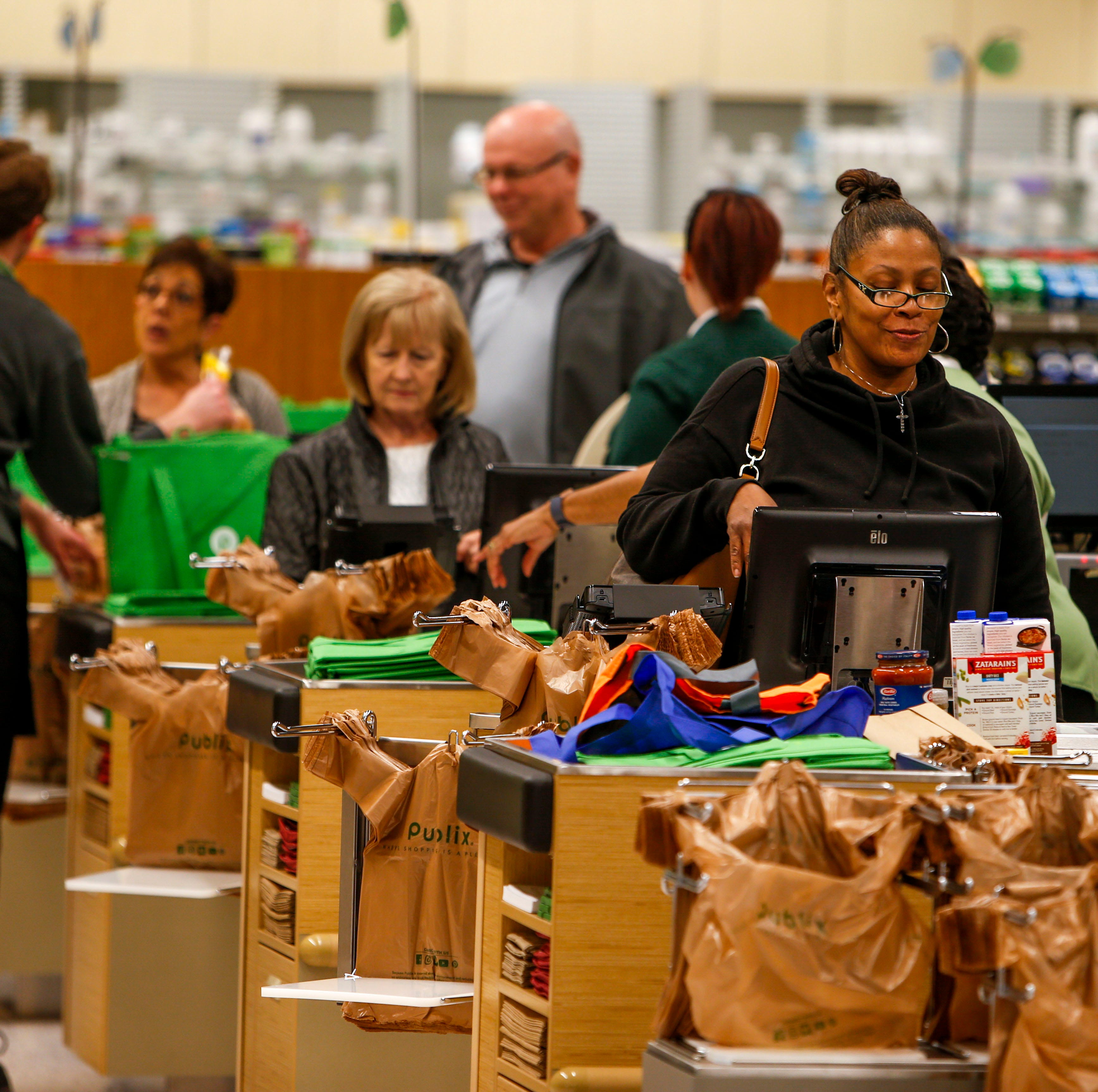 Publix opens to eager crowds in Clarksville's Sango Square