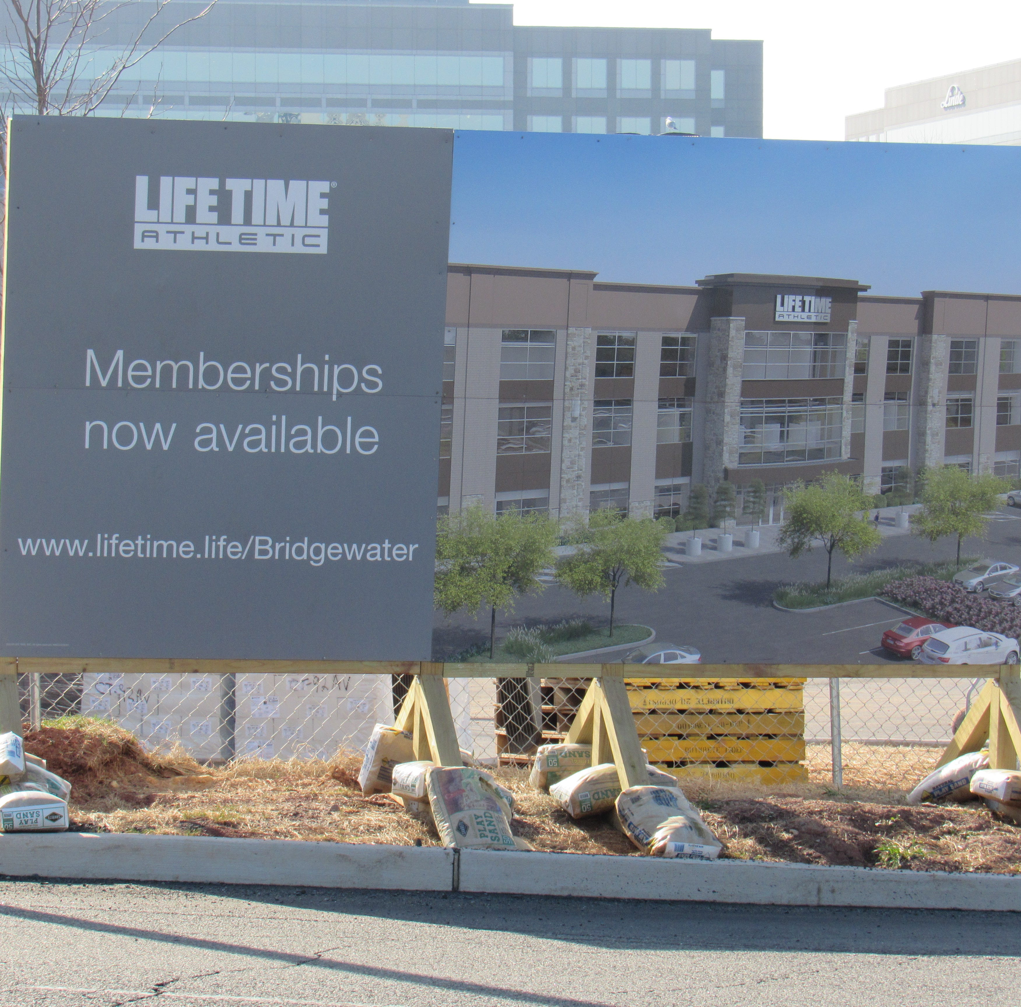 Bridgewater: Life Time fitness center looks to hire 400 employees