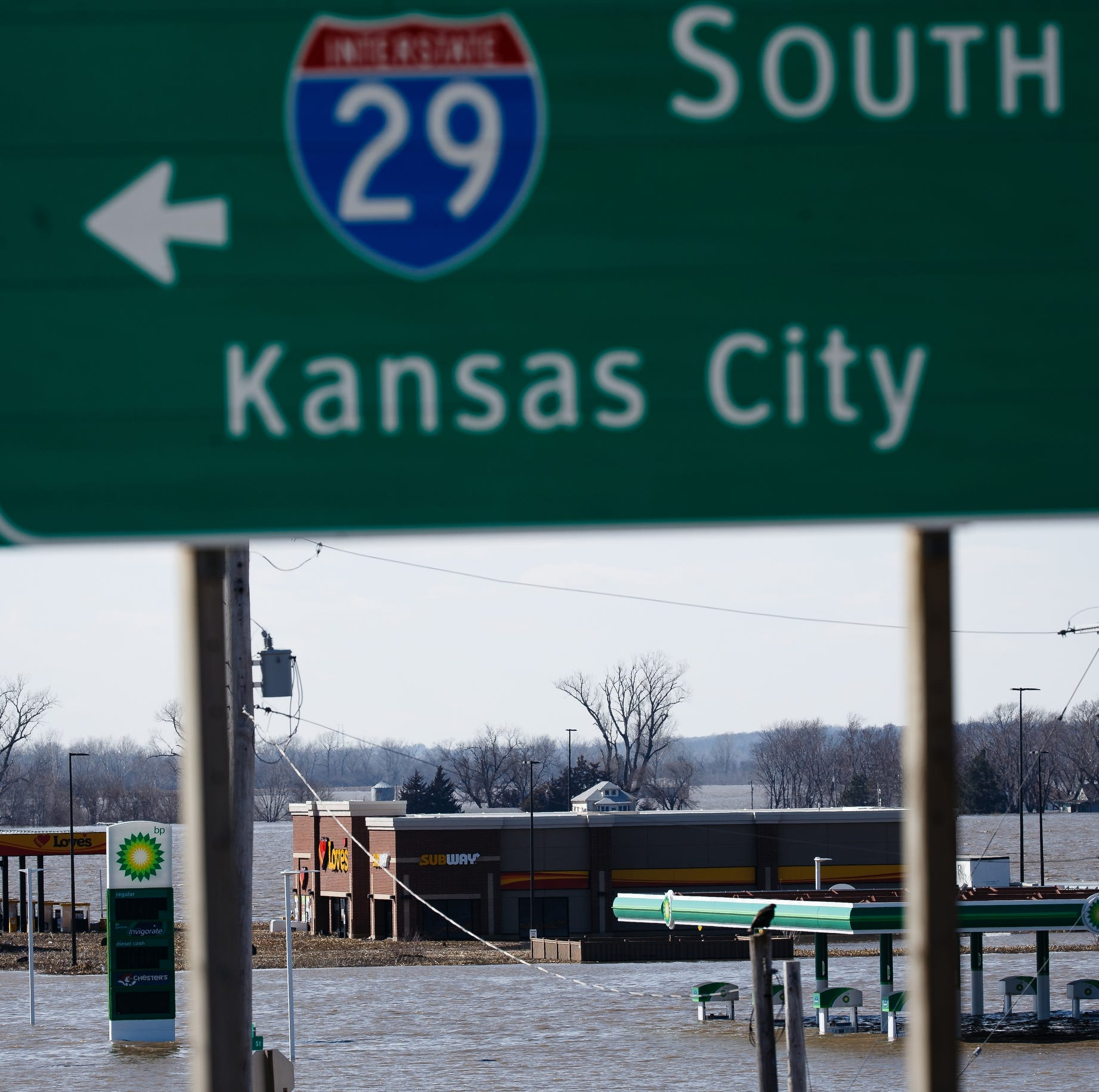 This is where Iowa roads and railways are closed due to flooding