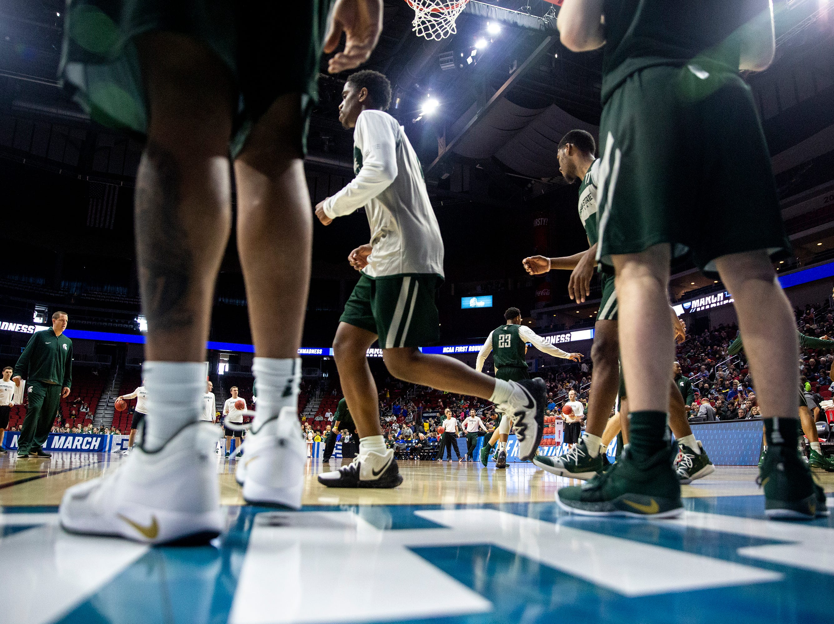 The Spartans run an inbounding drill during Michigan State's open practice before the first round of the NCAA Men's Basketball Tournament on Wednesday, March 20, 2019, at Wells Fargo Arena in Des Moines, Iowa.