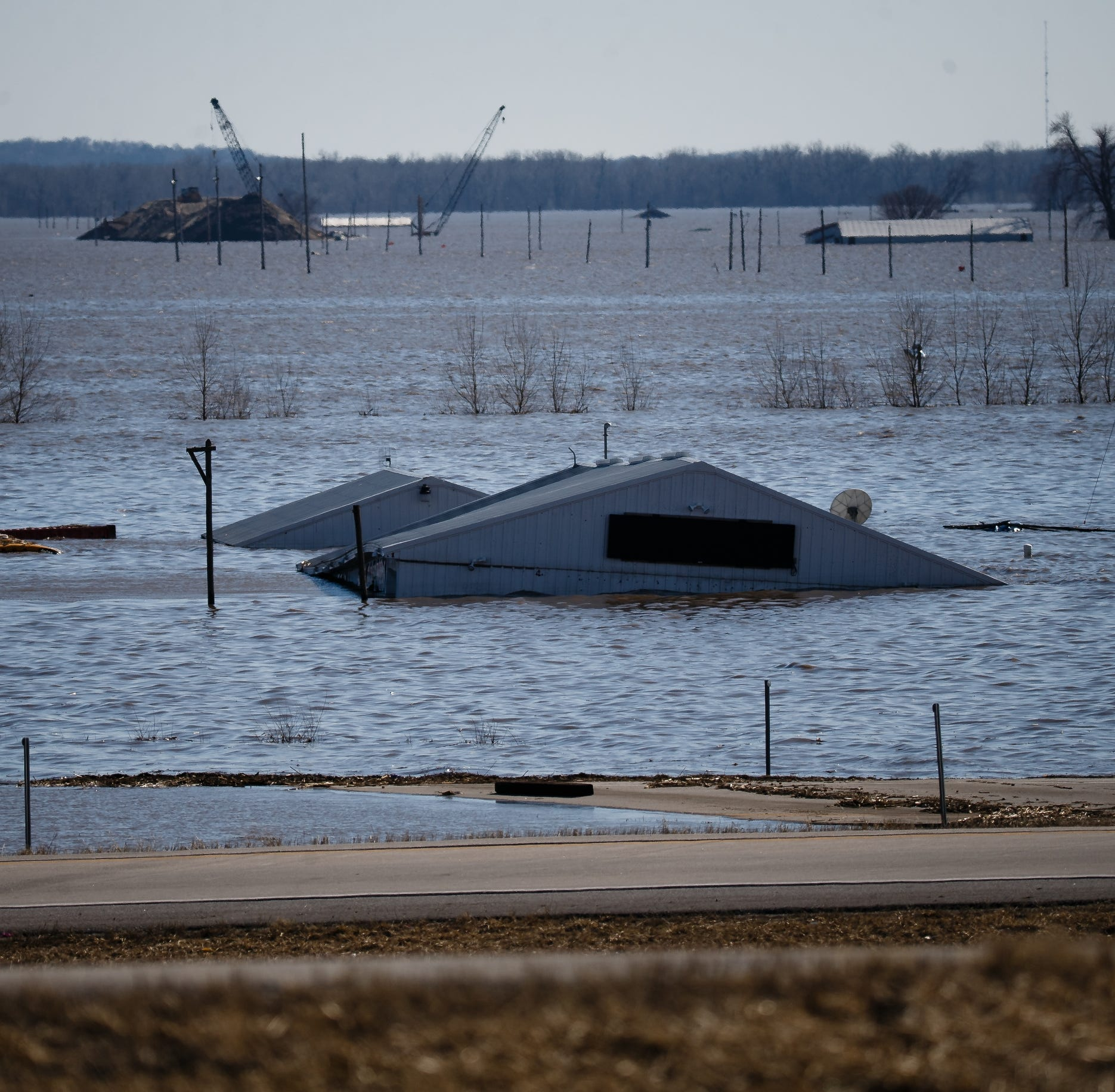 Iowa flooding: Damage from floodwaters reaches $1.6 billion, Gov. Kim Reynolds estimates