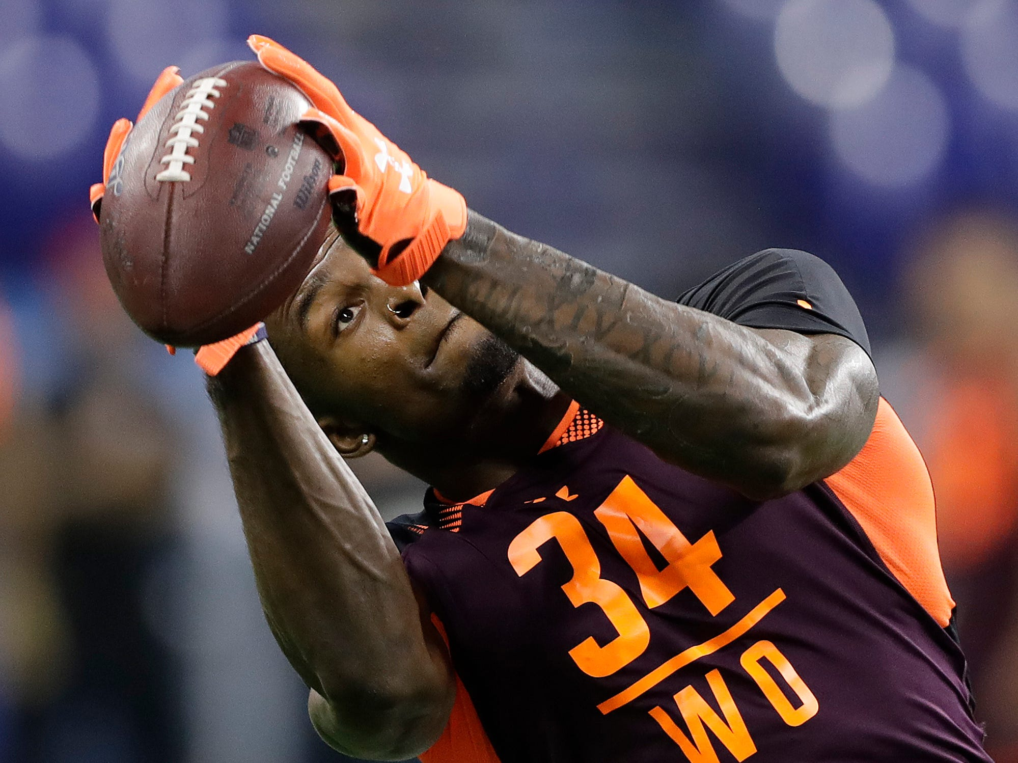 12. Green Bay Packers: WR D.K. Metcalf, Ole Miss – Metcalf is returning from a neck injury that might cost him draft position, but the Packers need another weapon for Aaron Rodgers.