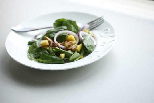 Baby Spinach and Mango with Citrus Vinaigrette