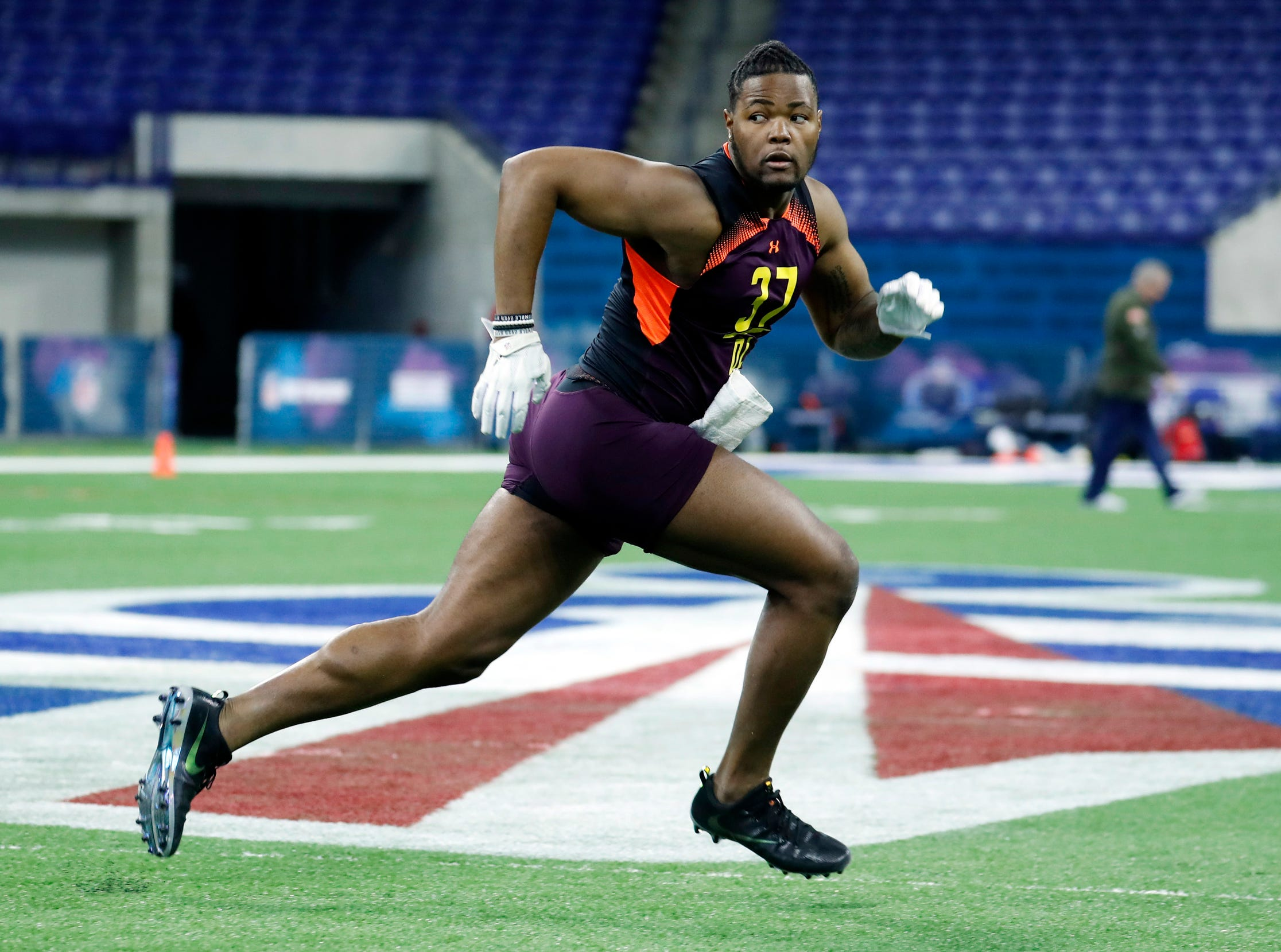 6. New York Giants: DE Rashan Gary, Michigan – The Giants sent a large contingent to Michigan's pro day last week and GM Dave Gettleman loves linemen more than he thinks he needs a quarterback.